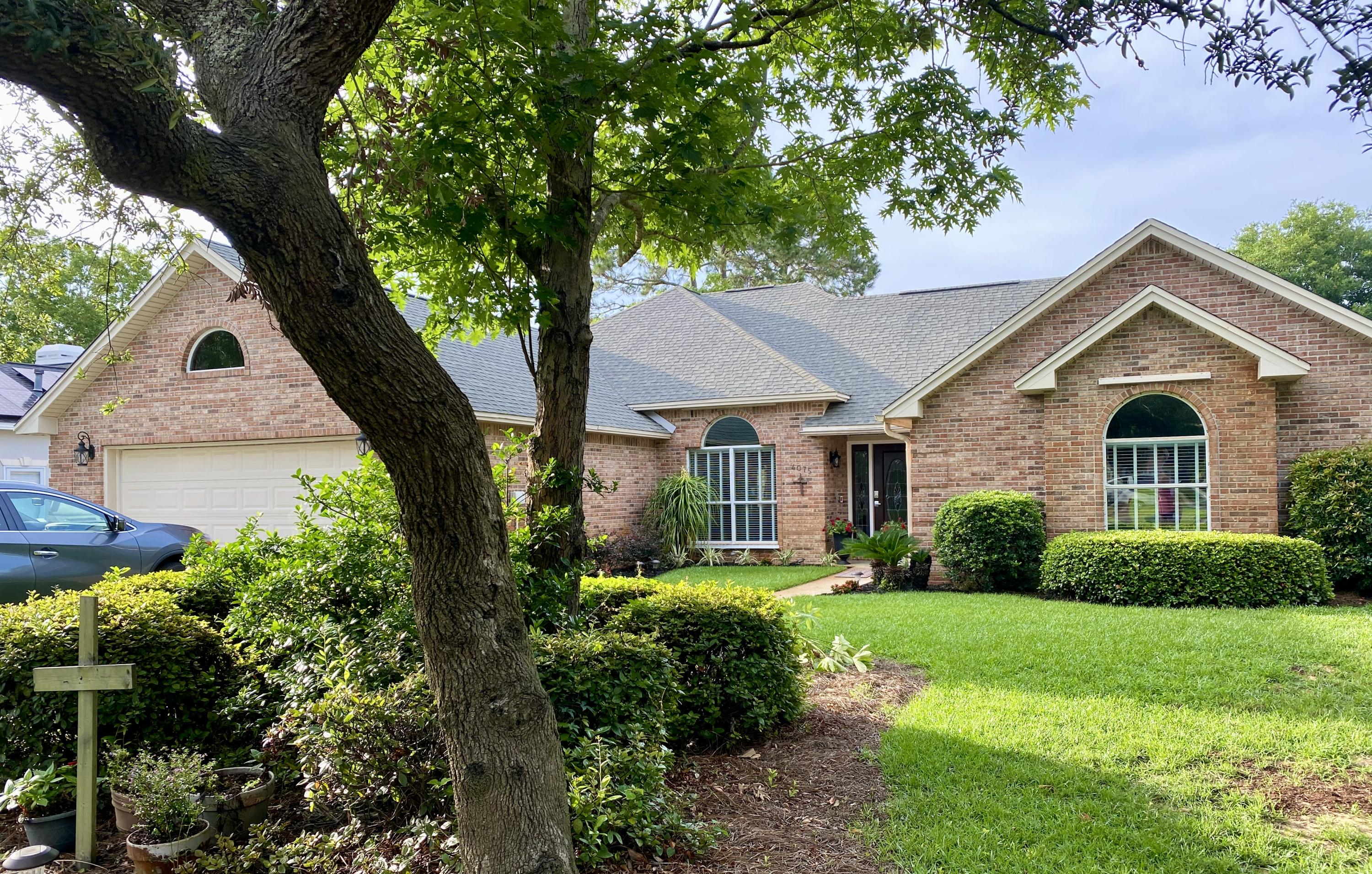 Photo of home for sale at 4075 Burning Tree, Destin FL