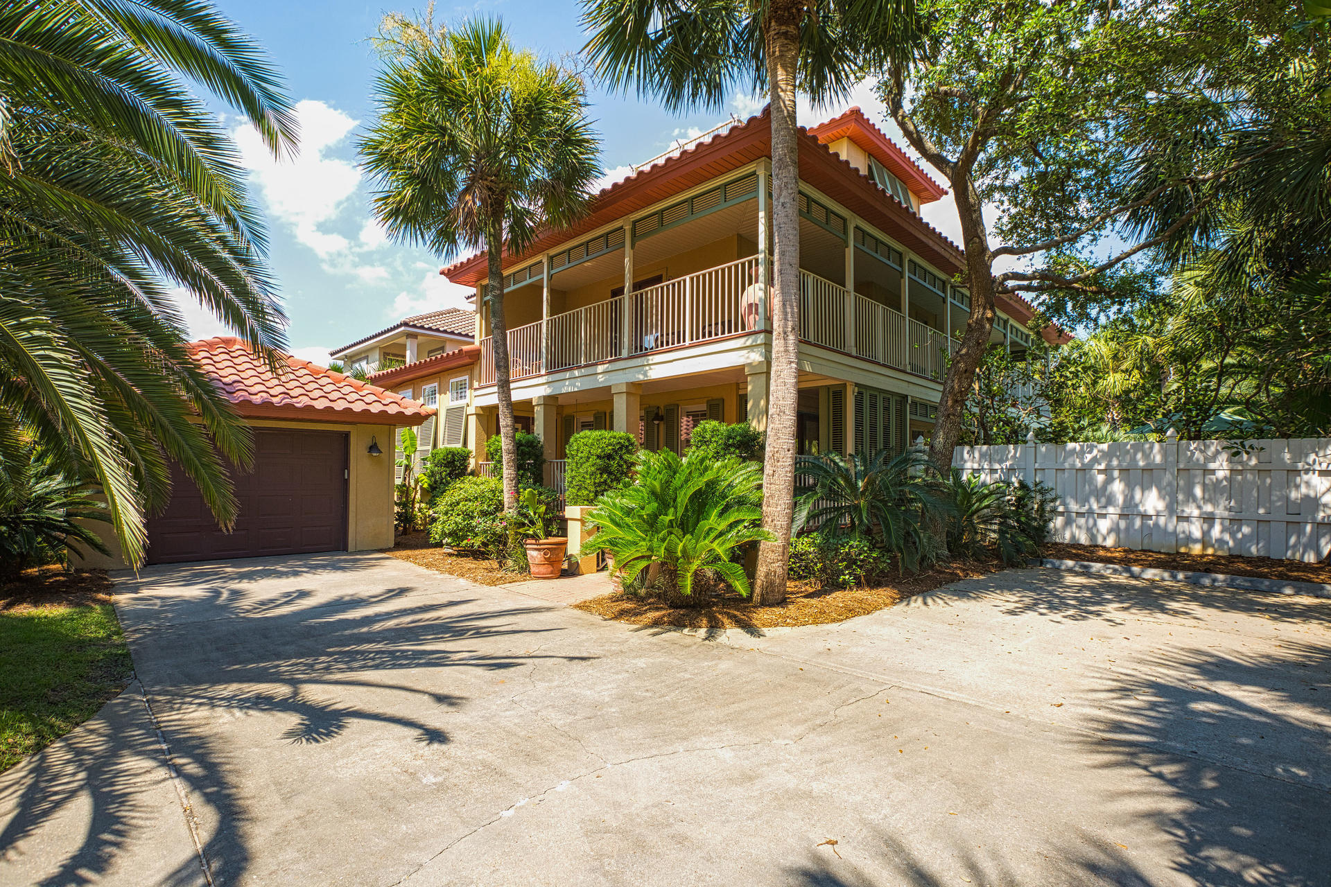 Photo of home for sale at 115 Windancer, Miramar Beach FL