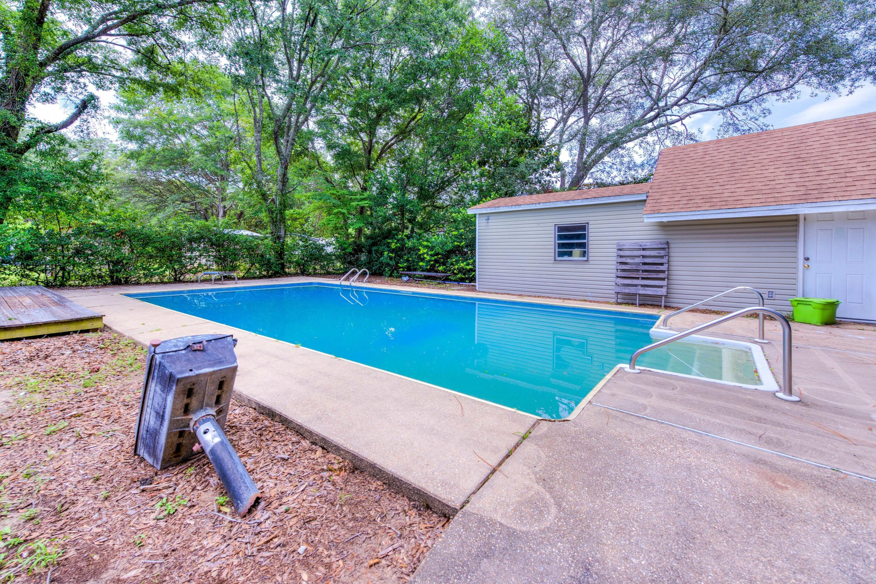 Photo of home for sale at 313 22nd, Niceville FL