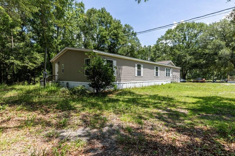 Photo of home for sale at 4340 Co Hwy 3280, Freeport FL