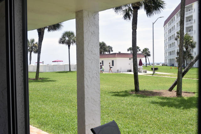Photo of home for sale at 909 Santa Rosa, Fort Walton Beach FL