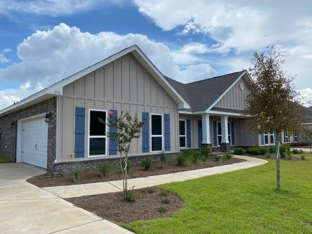 Photo of home for sale at 6070 Carina, Crestview FL