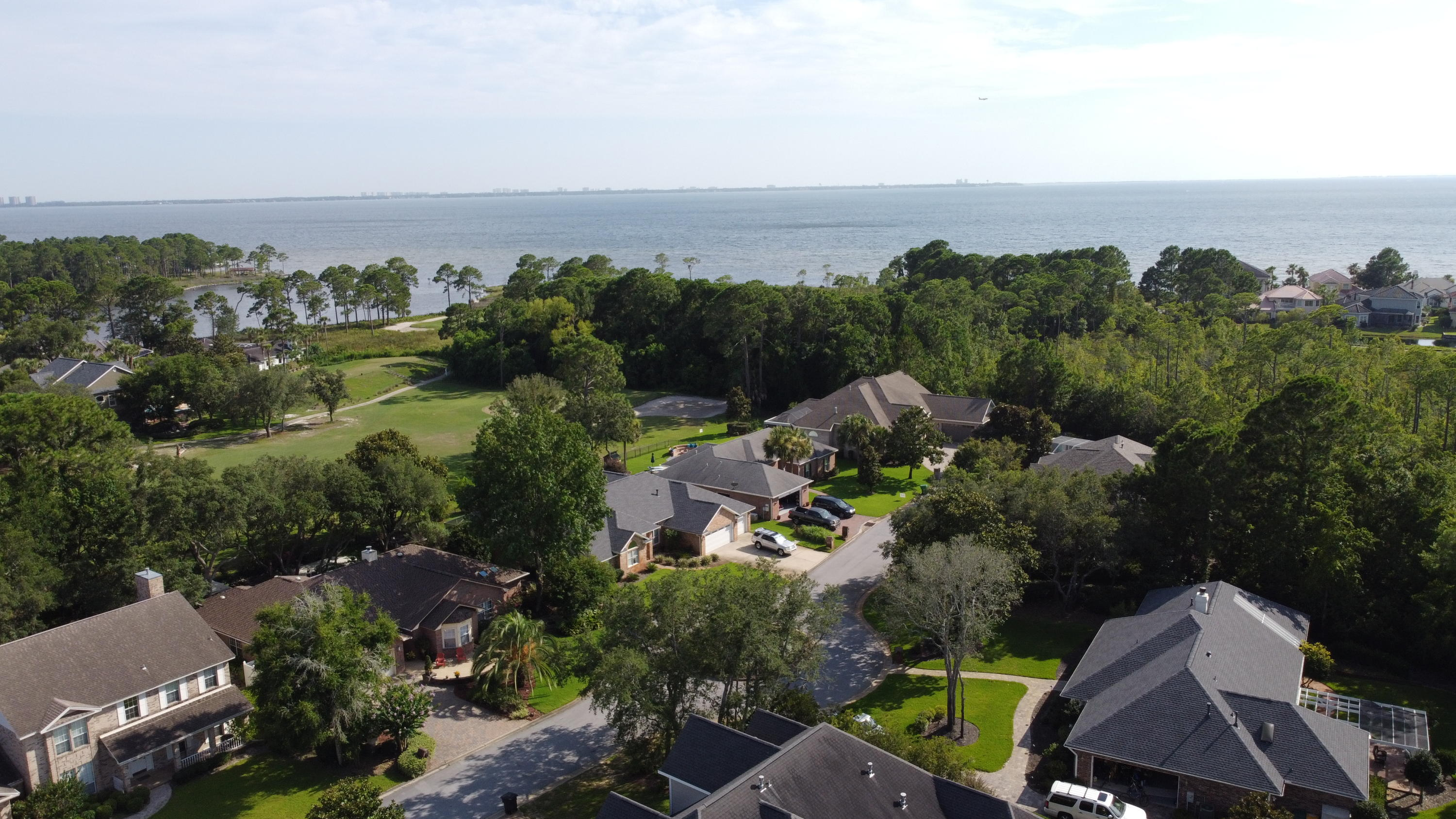 Photo of home for sale at 4403 Windrush, Niceville FL