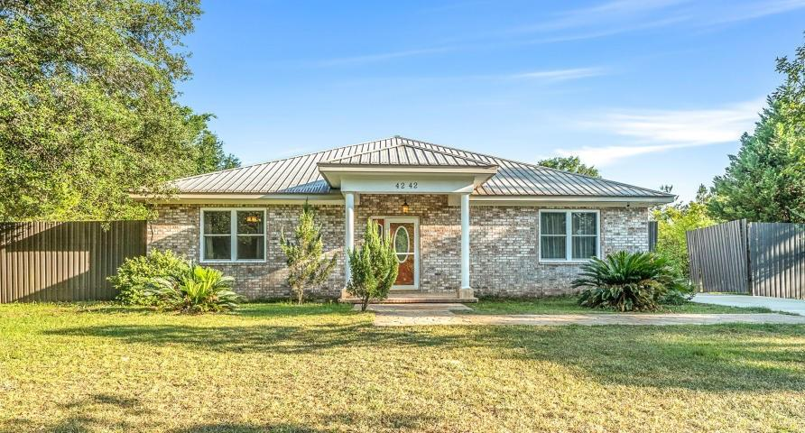 Photo of home for sale at 4242 Country Breeze, Crestview FL