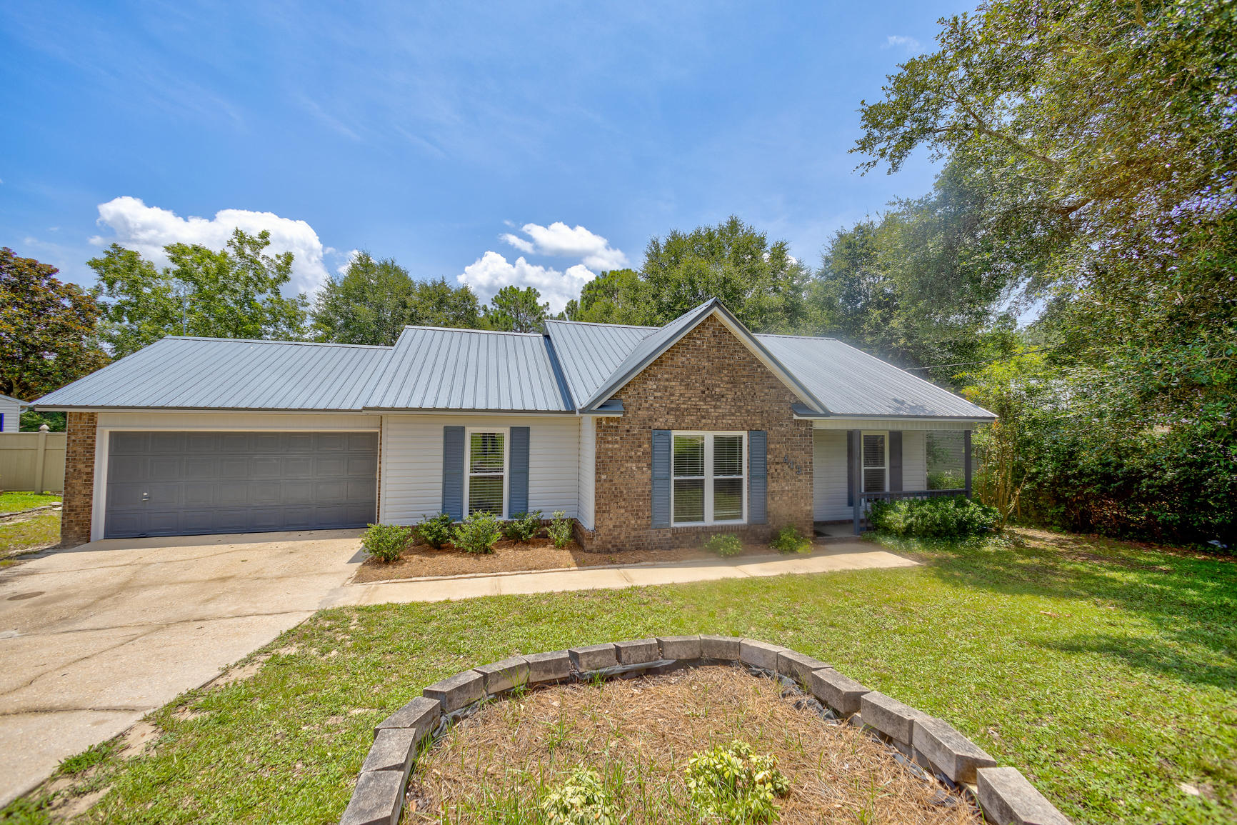 Photo of home for sale at 413 Juniper, Crestview FL