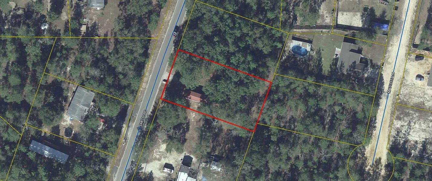 Photo of home for sale at 300 Smith, Defuniak Springs FL