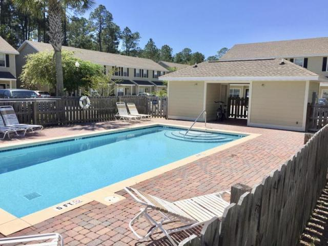 Photo of home for sale at 15284 331 Business Hwy, Freeport FL