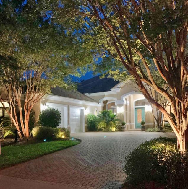 Photo of home for sale at 4376 Stonebridge, Destin FL