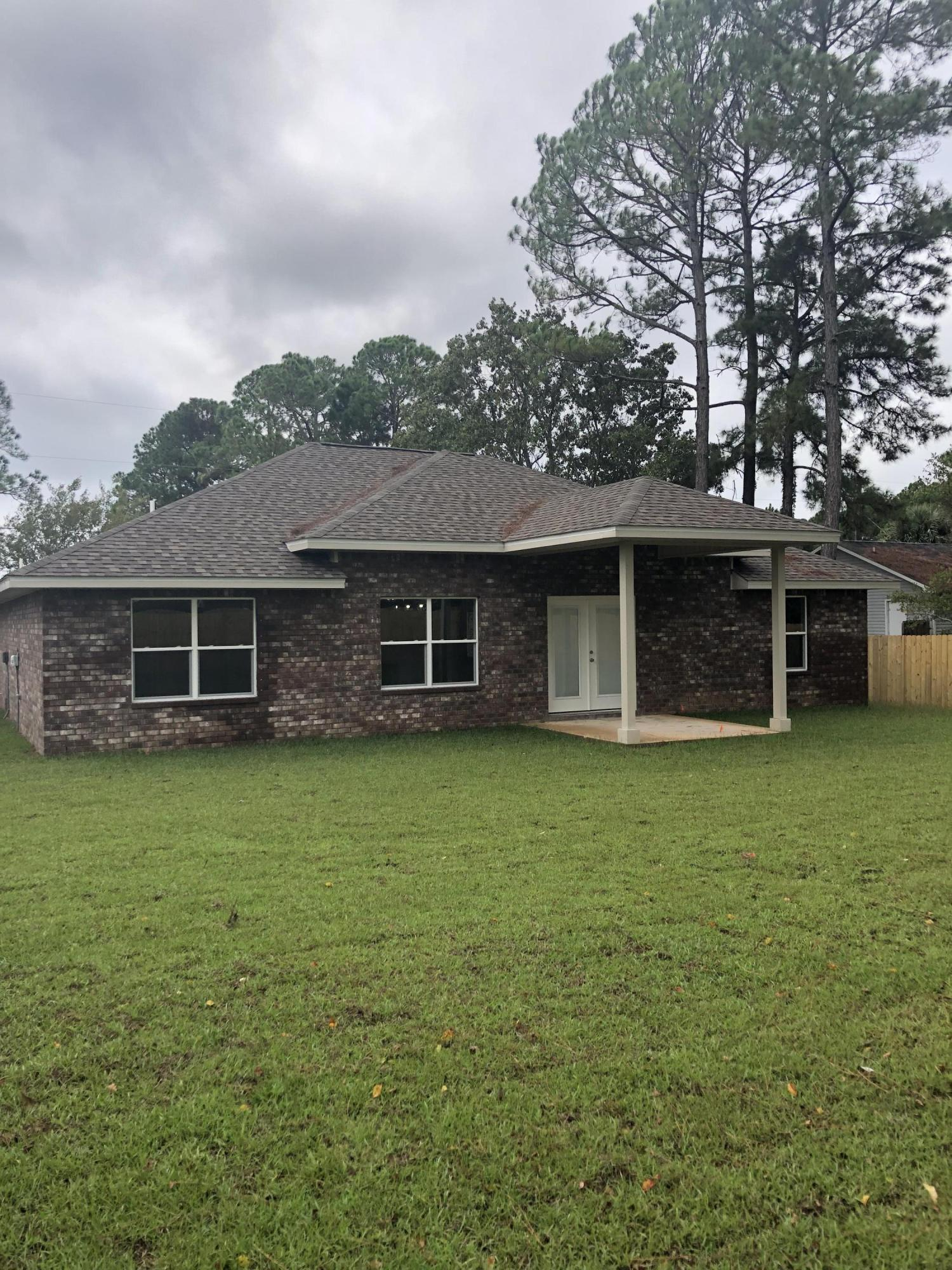 Photo of home for sale at 346 Morgan, Mary Esther FL
