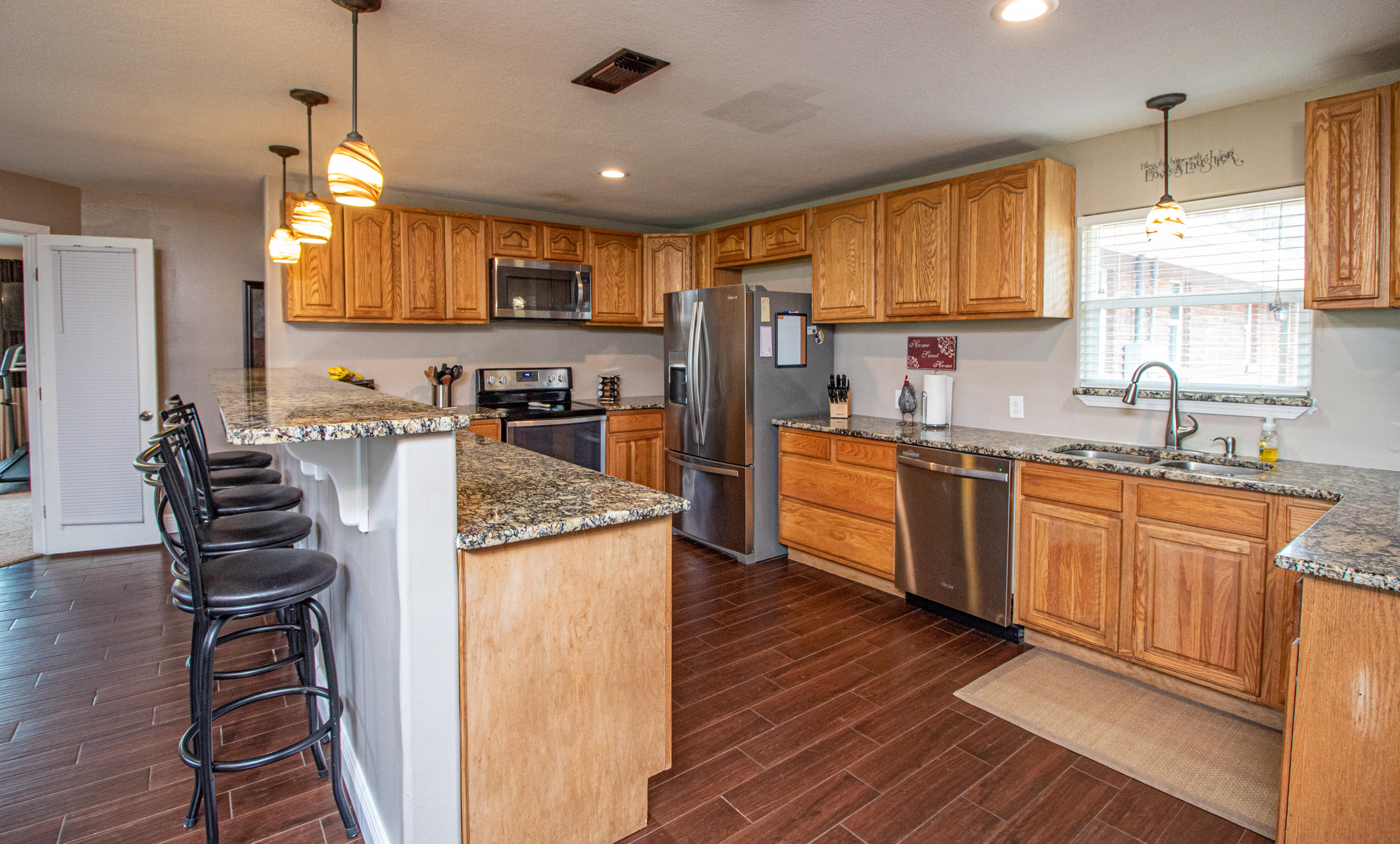 Photo of home for sale at 5087 Antioch, Crestview FL