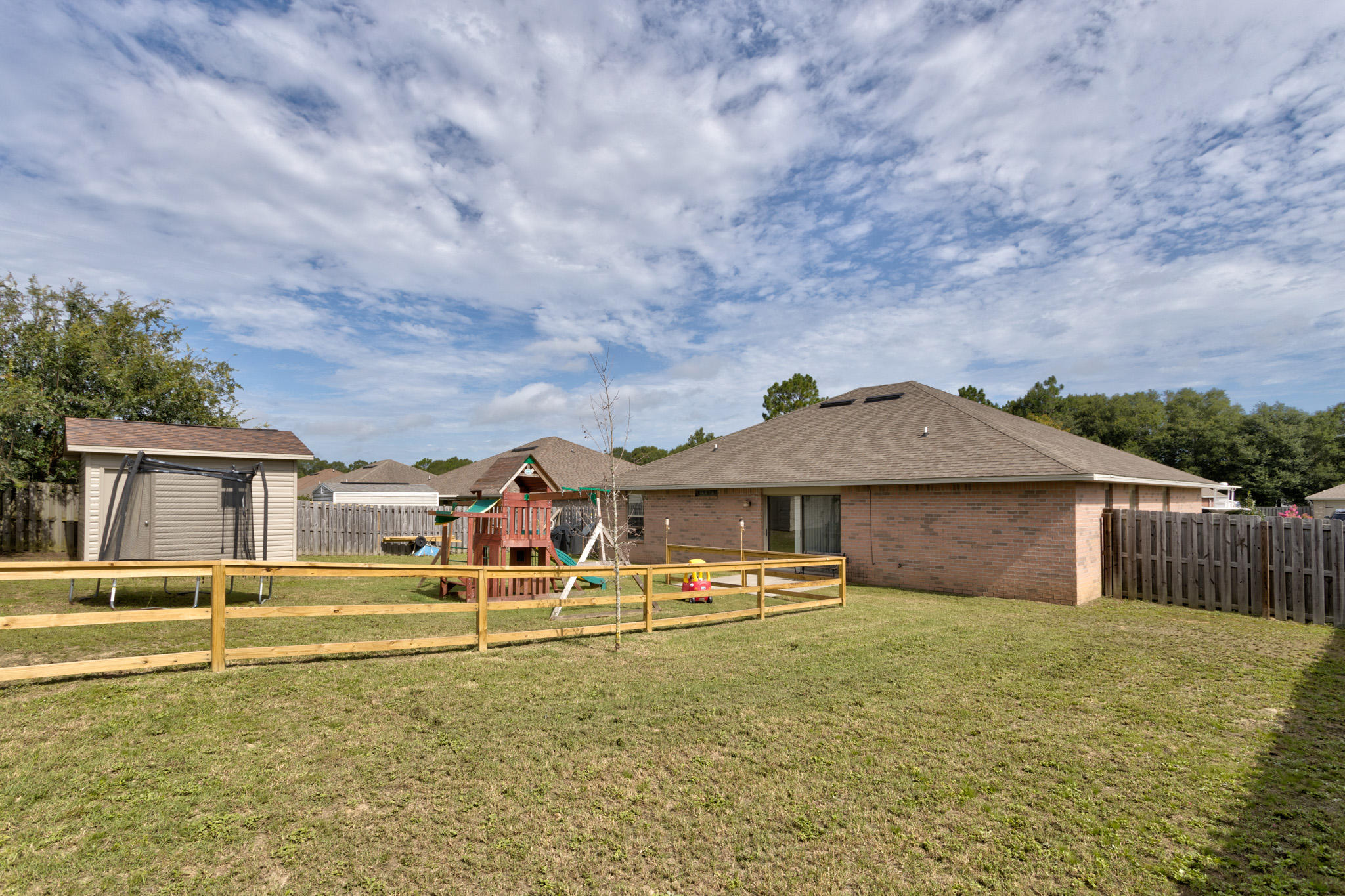 Photo of home for sale at 2280 Lewis, Crestview FL