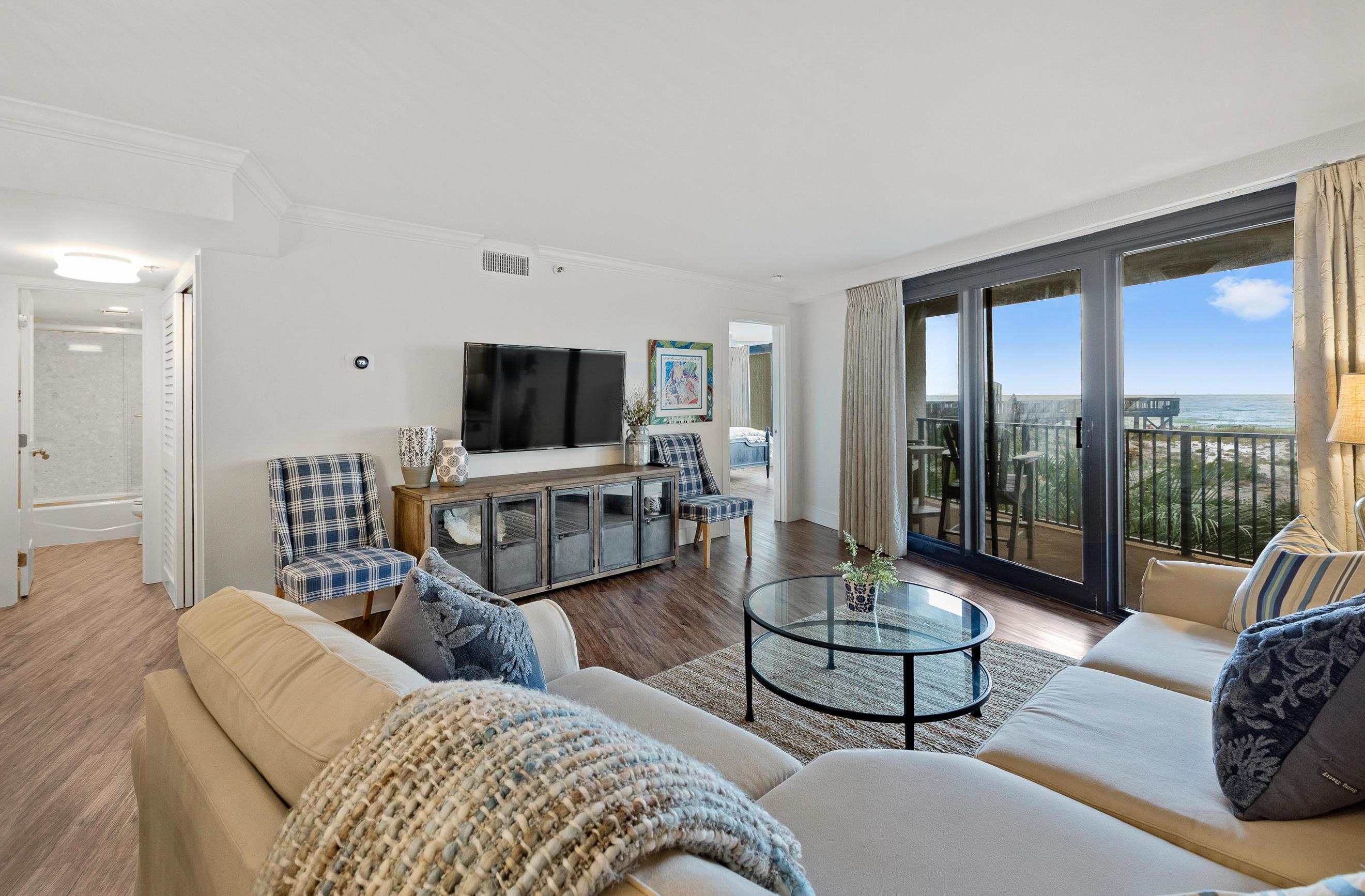 Photo of home for sale at 4024 Beachside One, Miramar Beach FL