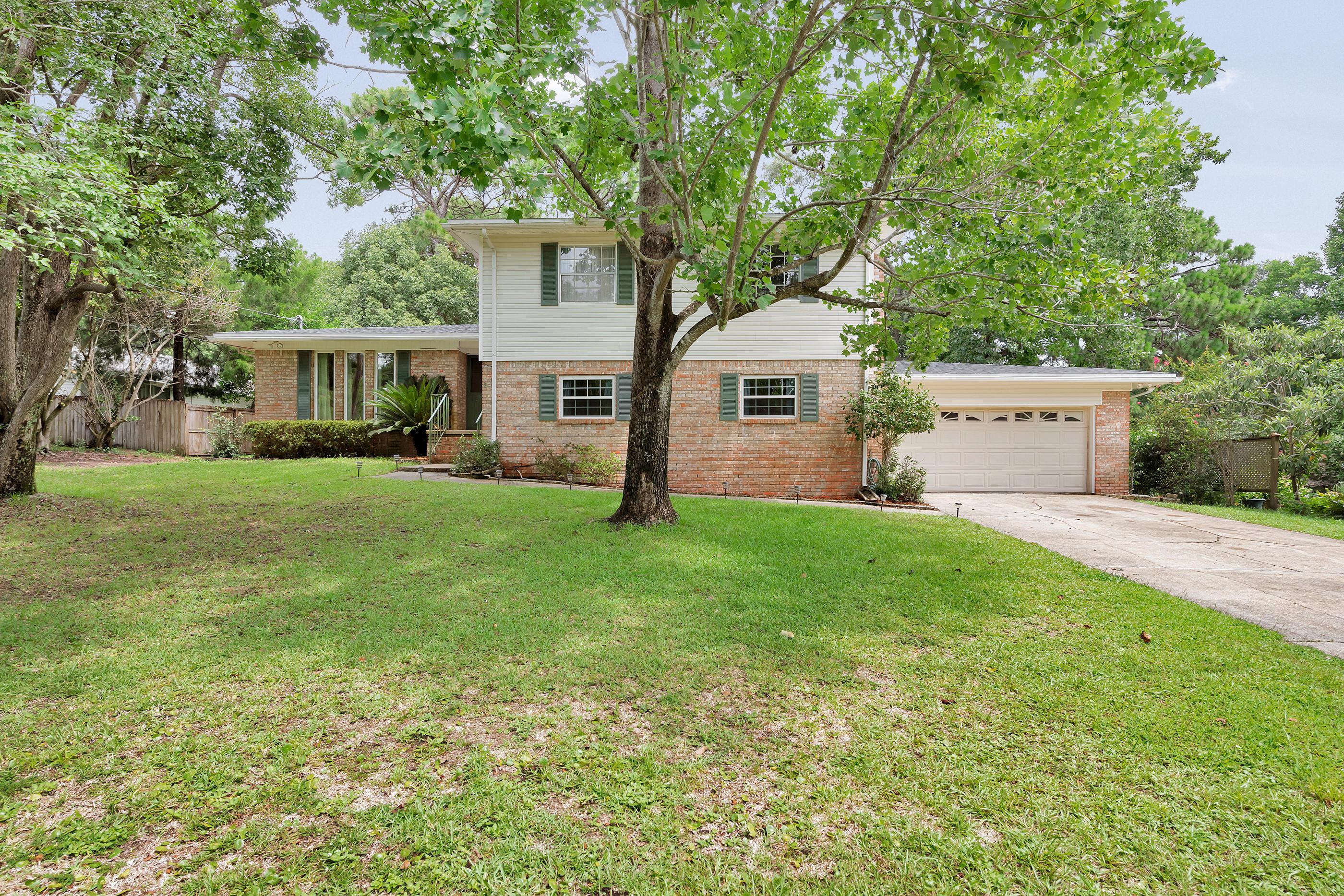 Photo of home for sale at 39 Walnut, Shalimar FL