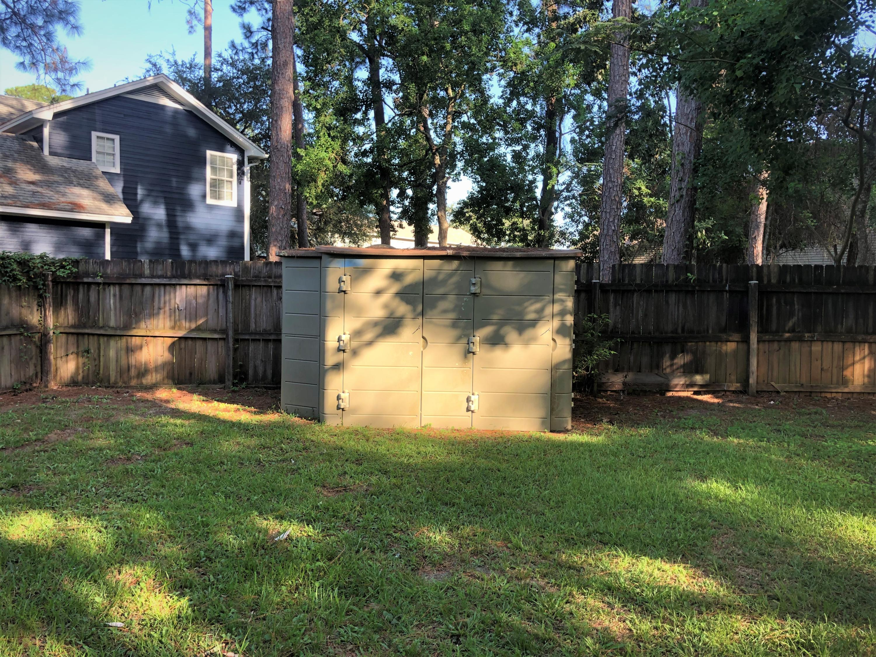 Photo of home for sale at 428 Northampton, Fort Walton Beach FL