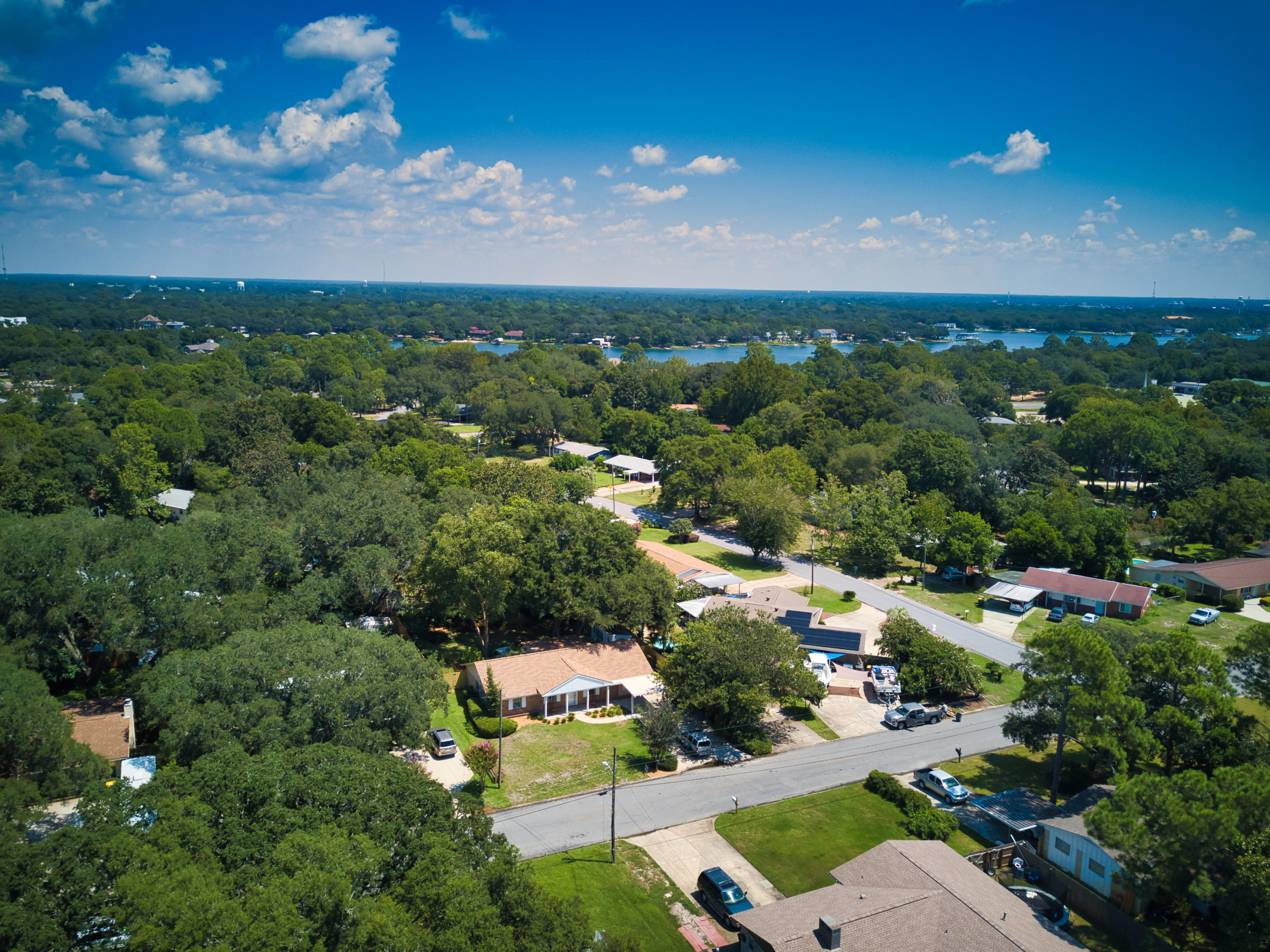 Photo of home for sale at 123 Sotir, Fort Walton Beach FL