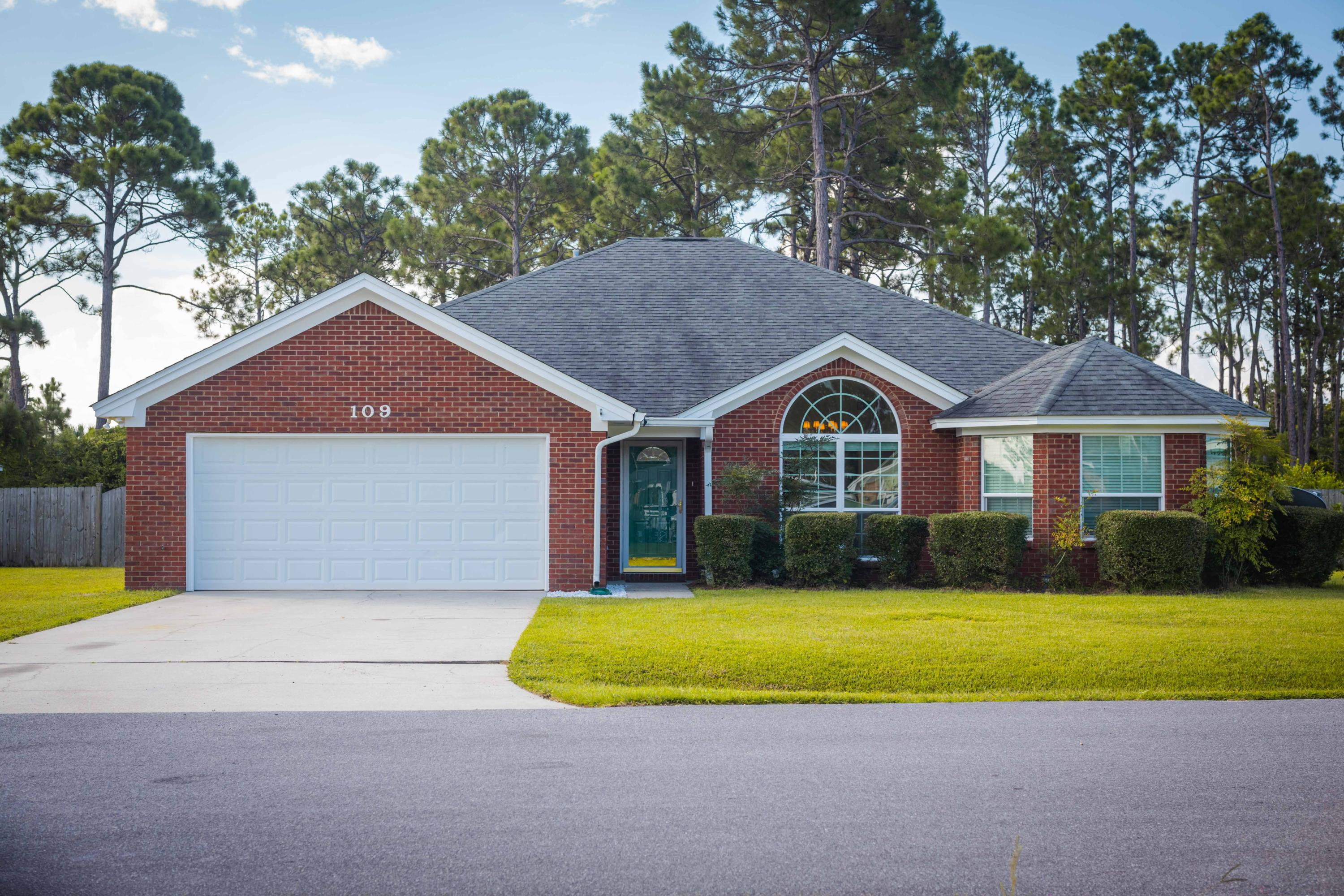 Photo of home for sale at 109 Shadow Bay, Panama City Beach FL