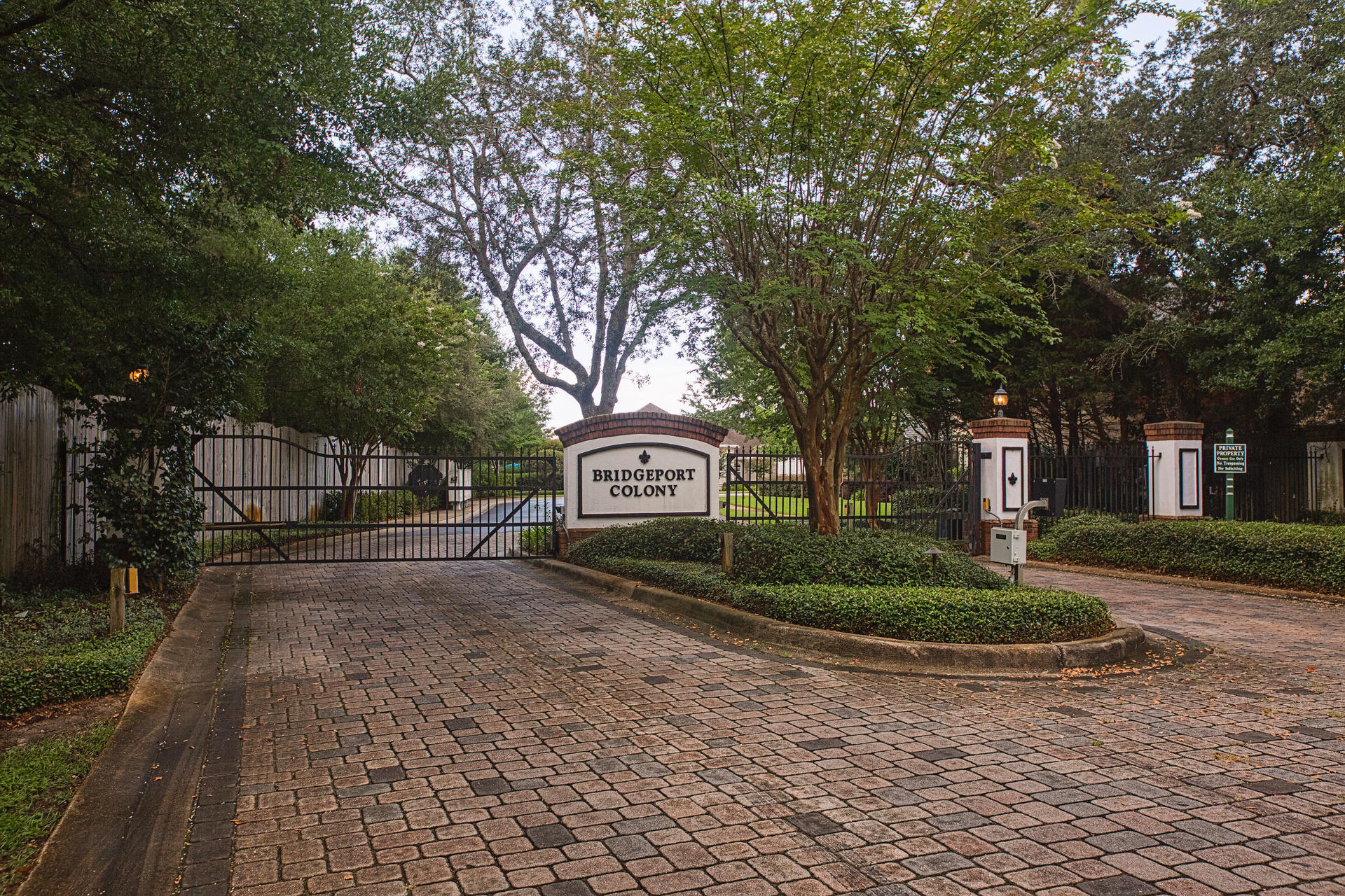 Photo of home for sale at 594 Summerbrooke Park, Fort Walton Beach FL