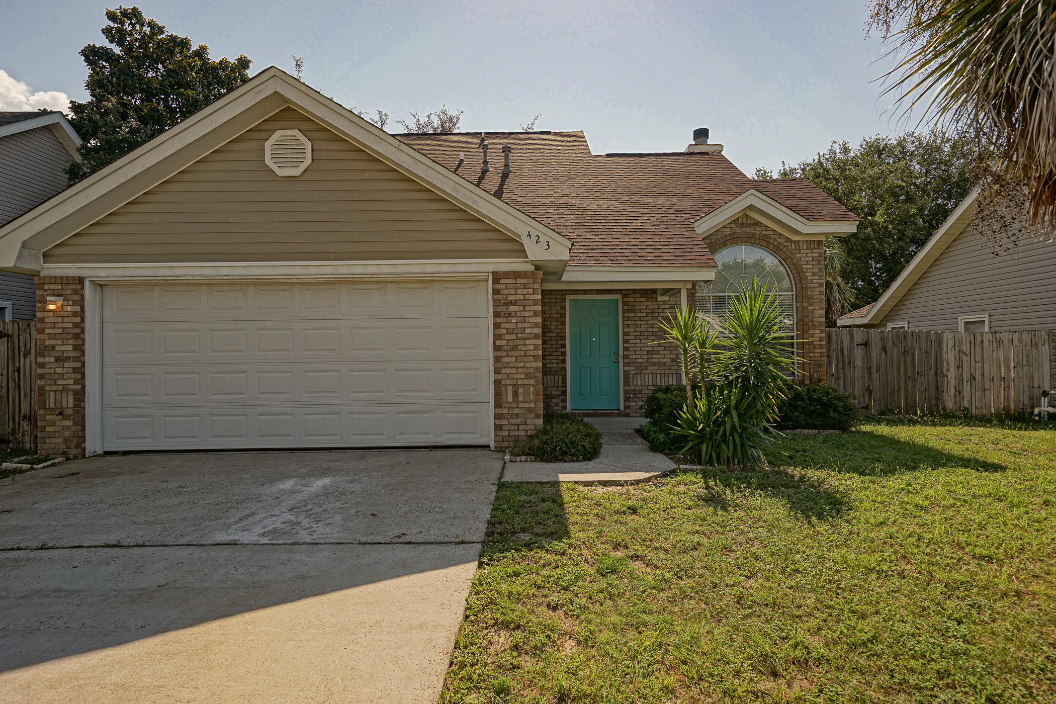 Photo of home for sale at 423 Bristol Cove, Mary Esther FL