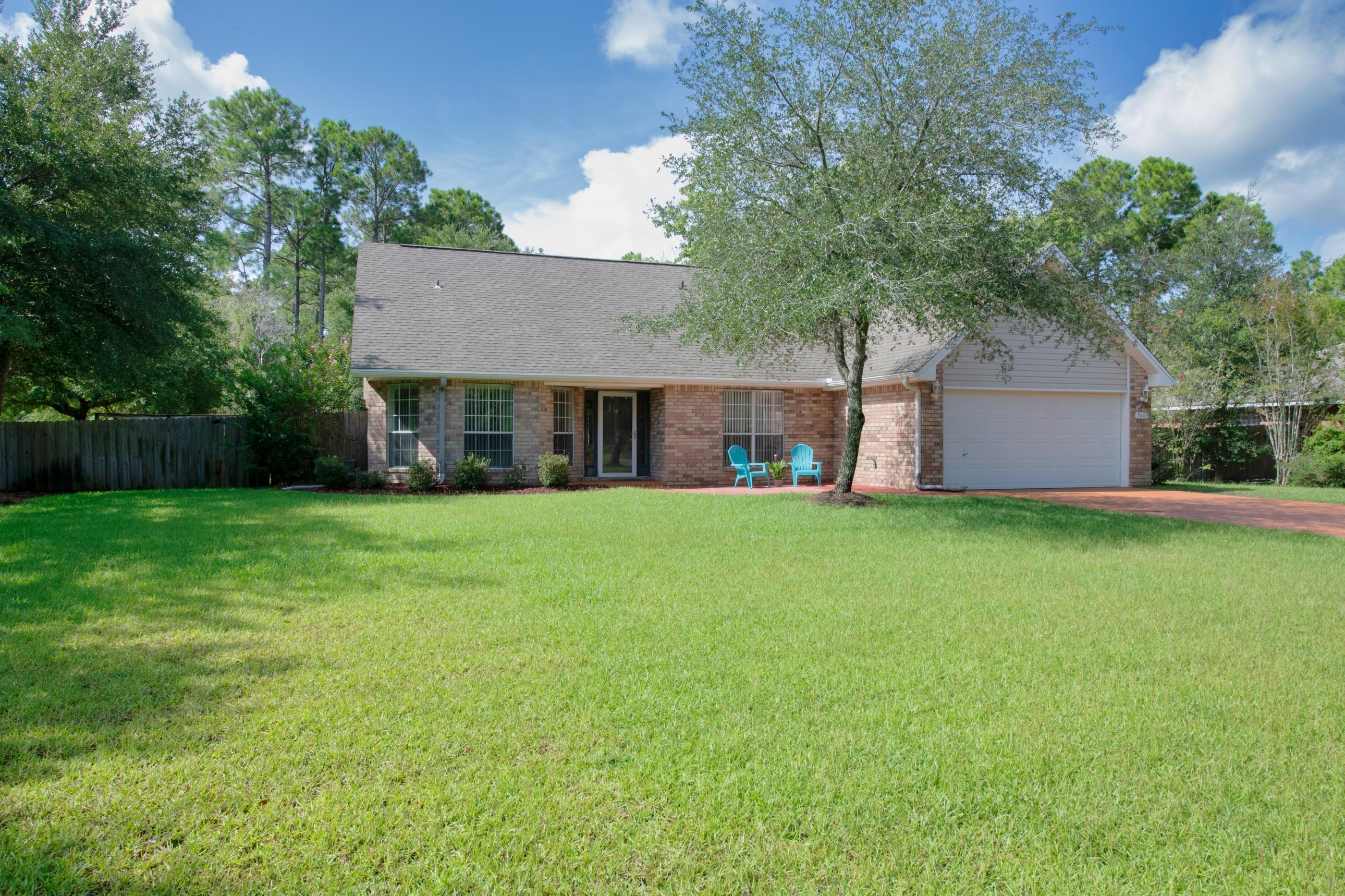 Photo of home for sale at 7603 Vinca, Navarre FL