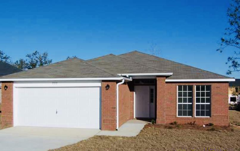 Photo of home for sale at 222 Limestone Circle, Crestview FL