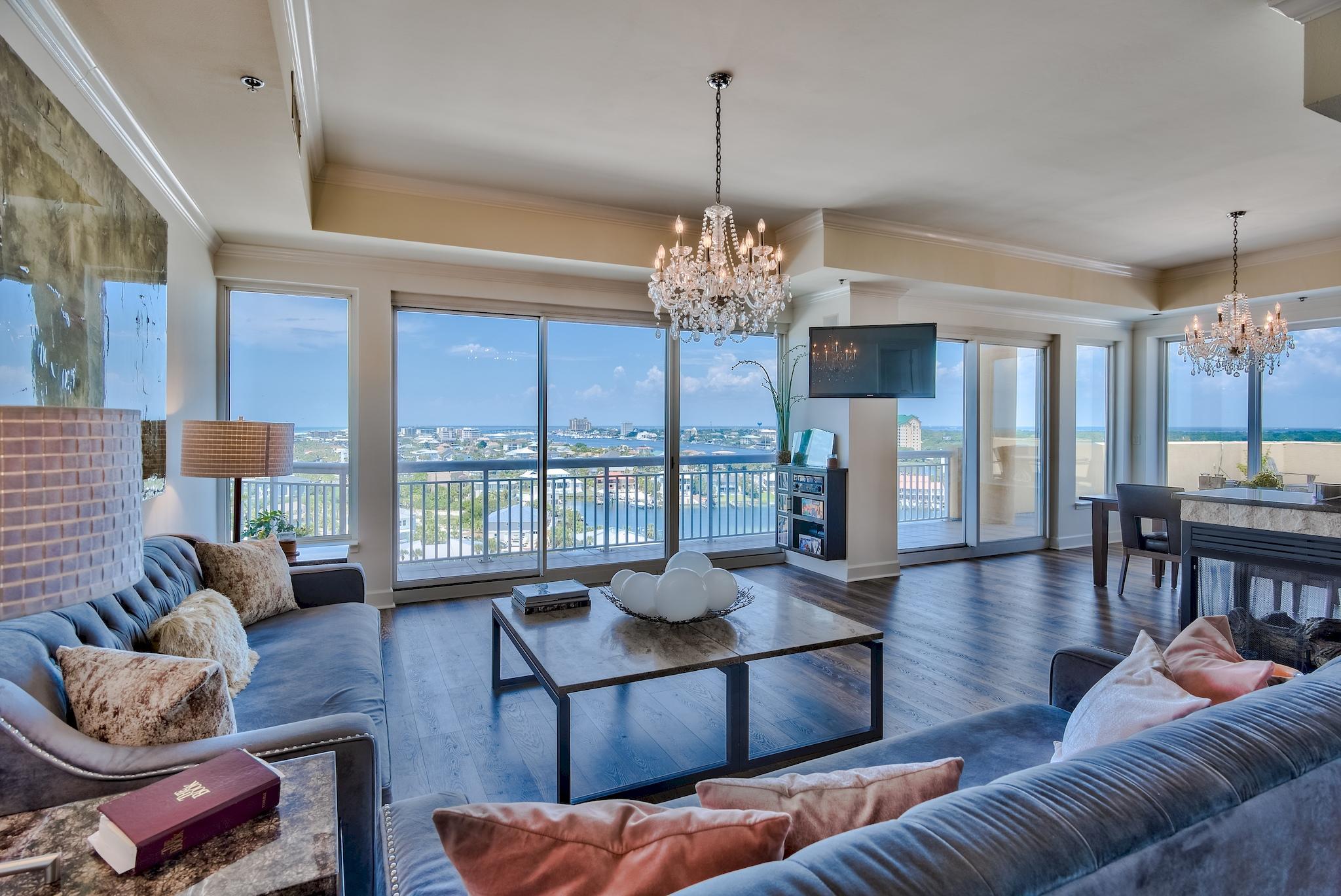 Photo of home for sale at 725 Gulf Shore, Destin FL