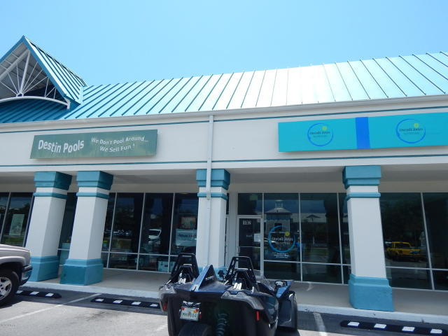 Photo of home for sale at 4014 Commons, Destin FL