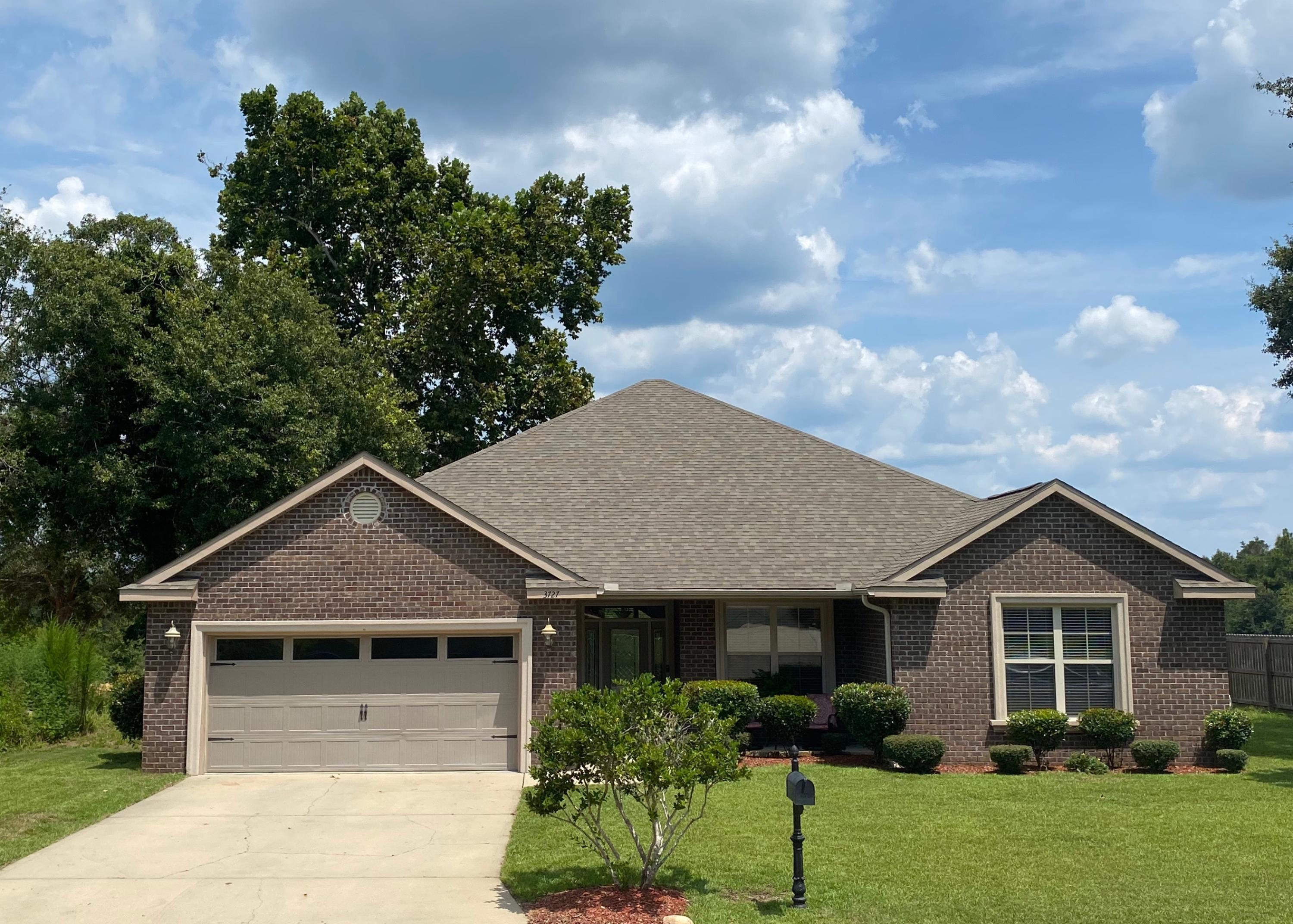 Photo of home for sale at 3727 Kittrell, Crestview FL