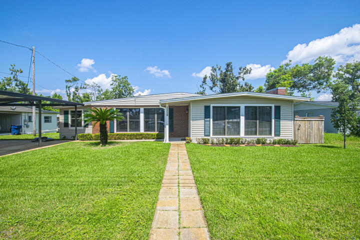 Photo of home for sale at 3116 8th, Panama City FL
