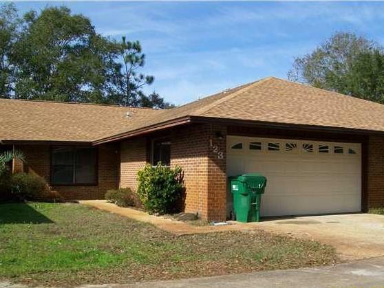Photo of home for sale at 123 Post Oak, Shalimar FL