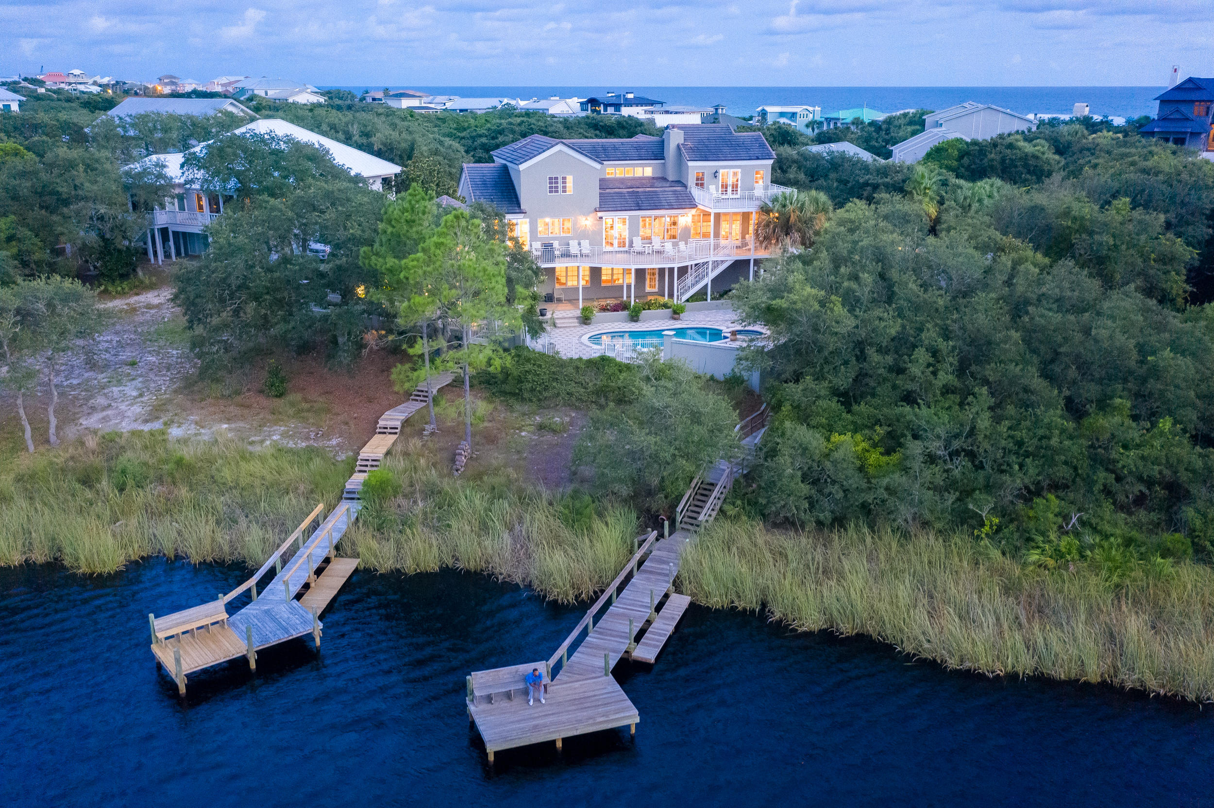 Photo of home for sale at 305 Pelican, Inlet Beach FL