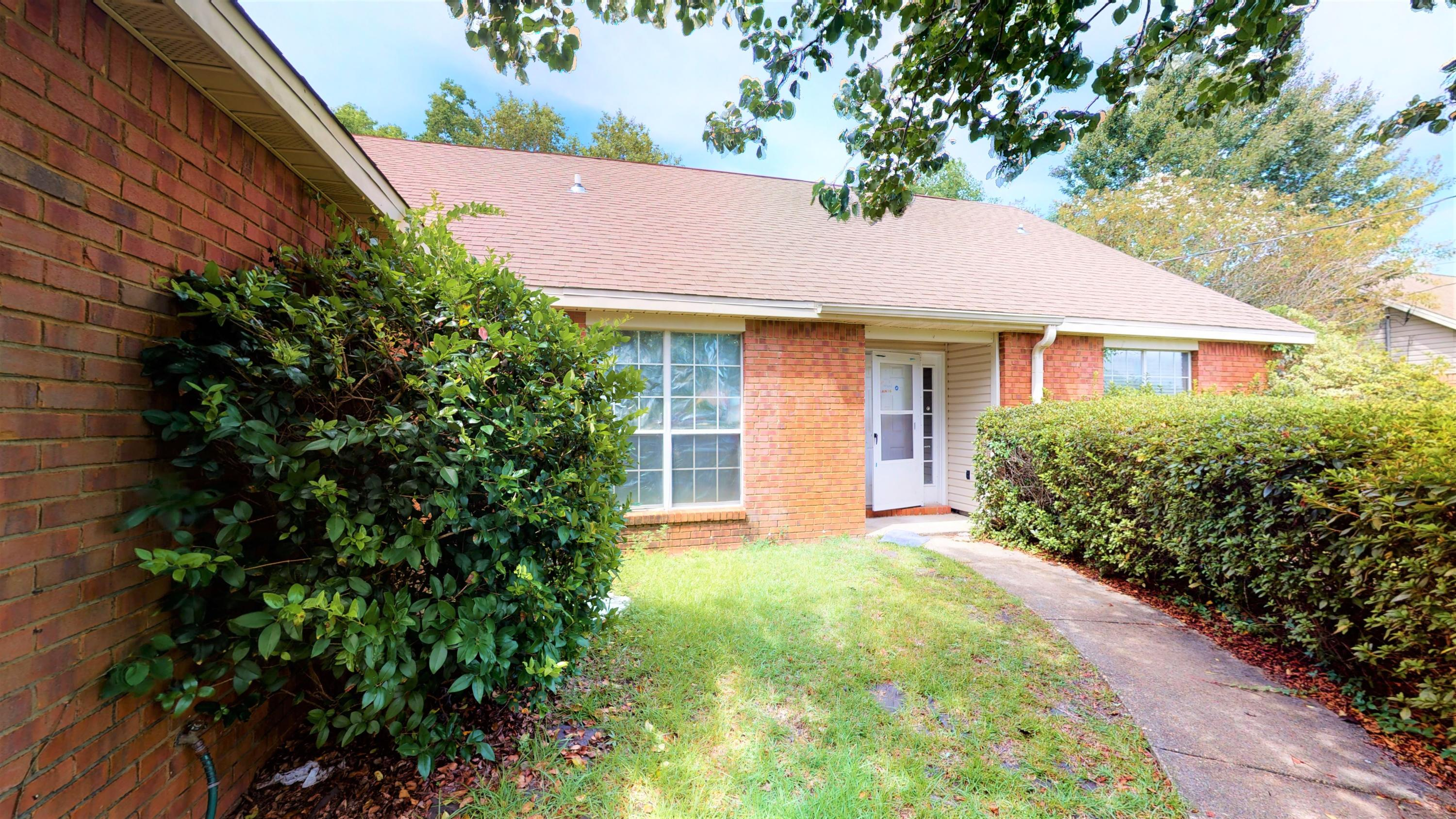 Photo of home for sale at 2276 Prytania, Navarre FL