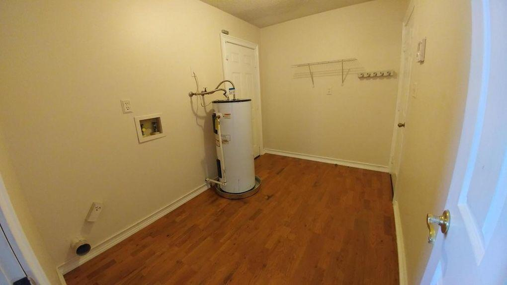 Photo of home for sale at 2206 Frontera, Navarre FL