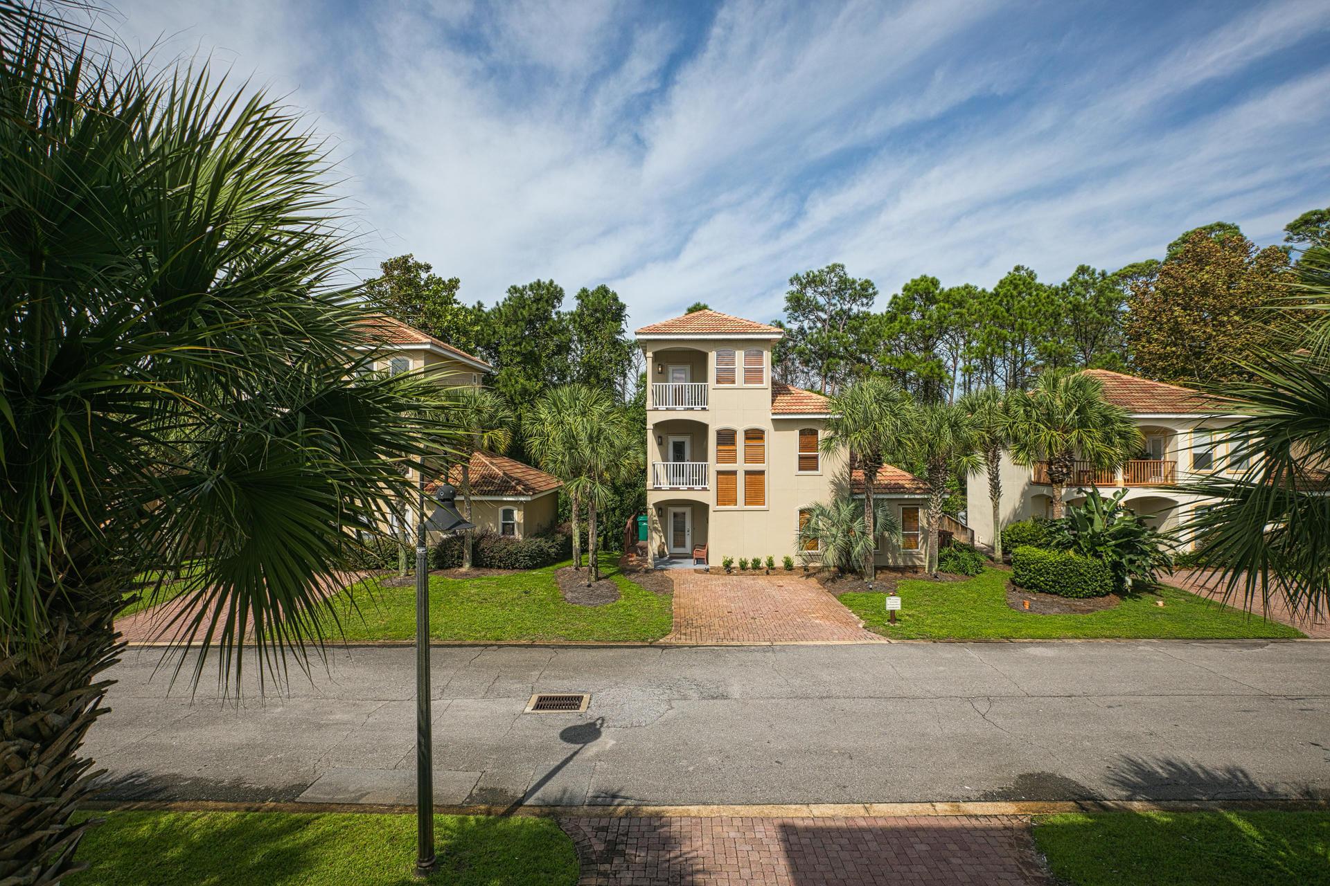 Photo of home for sale at 36 Las Palmas, Santa Rosa Beach FL