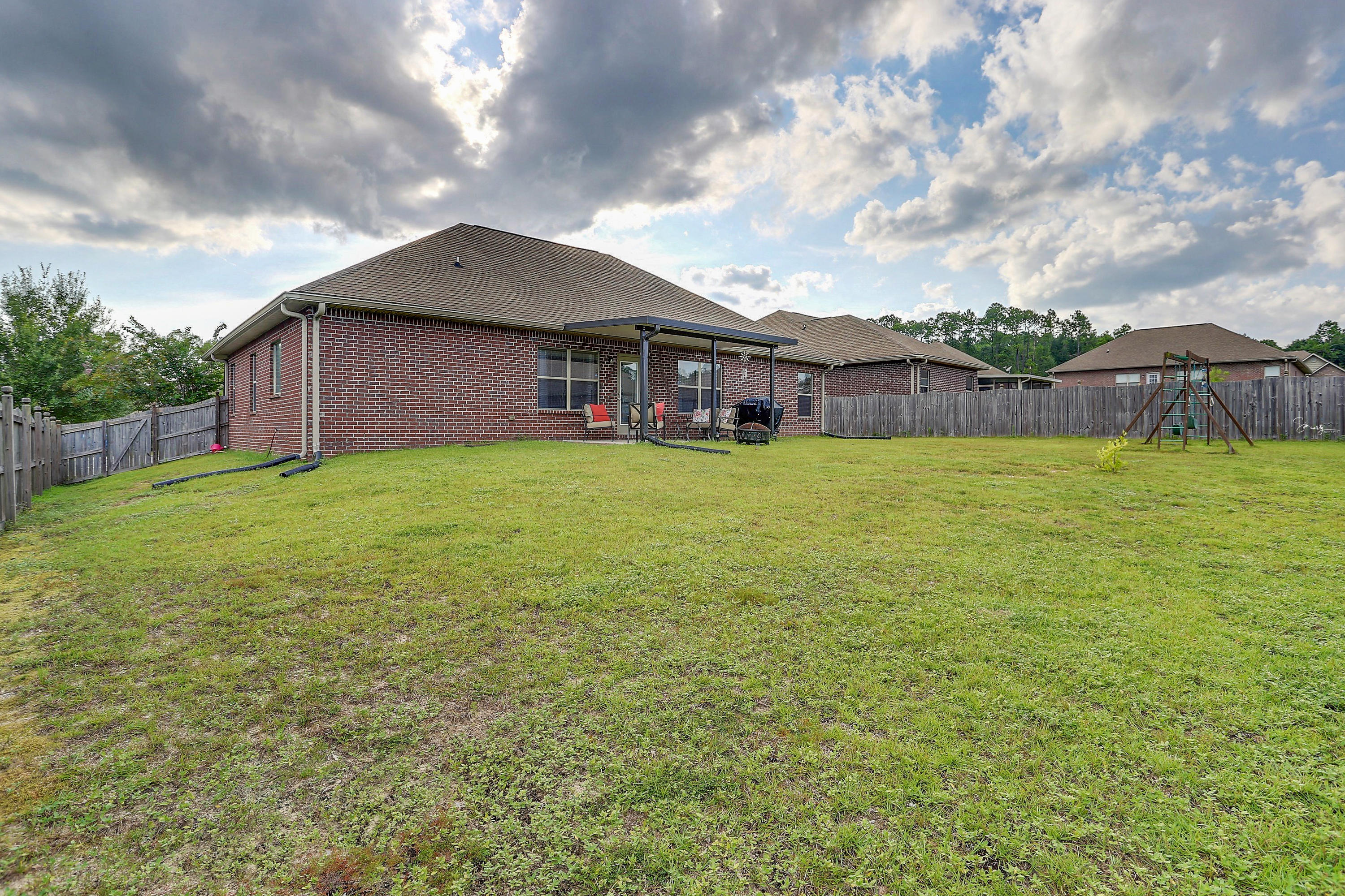 Photo of home for sale at 806 Yew, Crestview FL