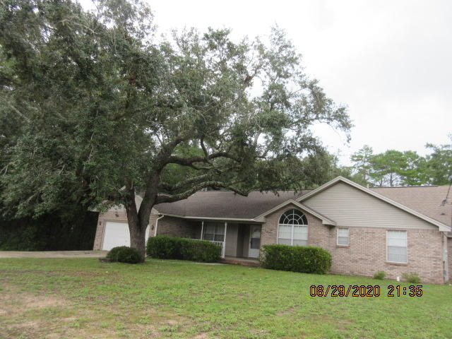 Photo of home for sale at 542 Nelson Point, Niceville FL