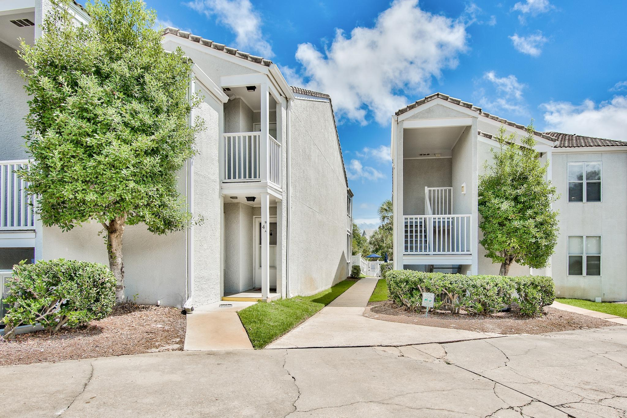 Photo of home for sale at 4984 Co Highway 30a, Santa Rosa Beach FL