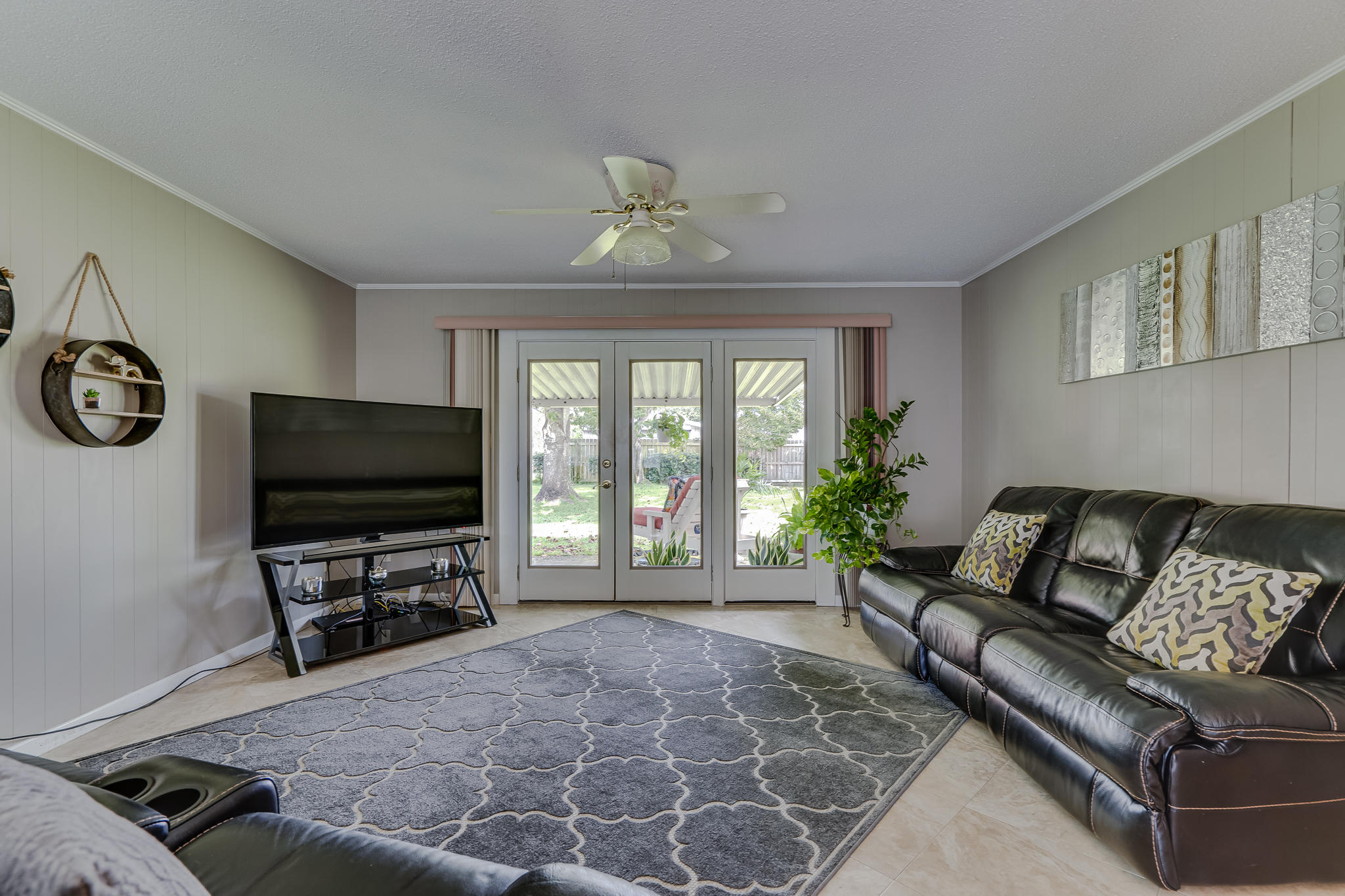 Photo of home for sale at 38 Memorial, Fort Walton Beach FL