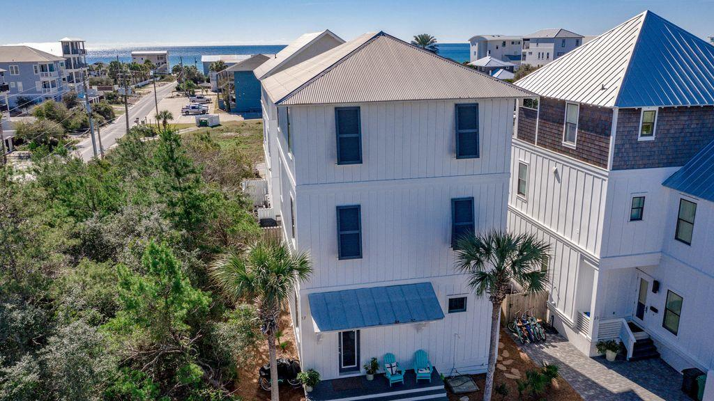 Photo of home for sale at 17 Bluewater View, Inlet Beach FL