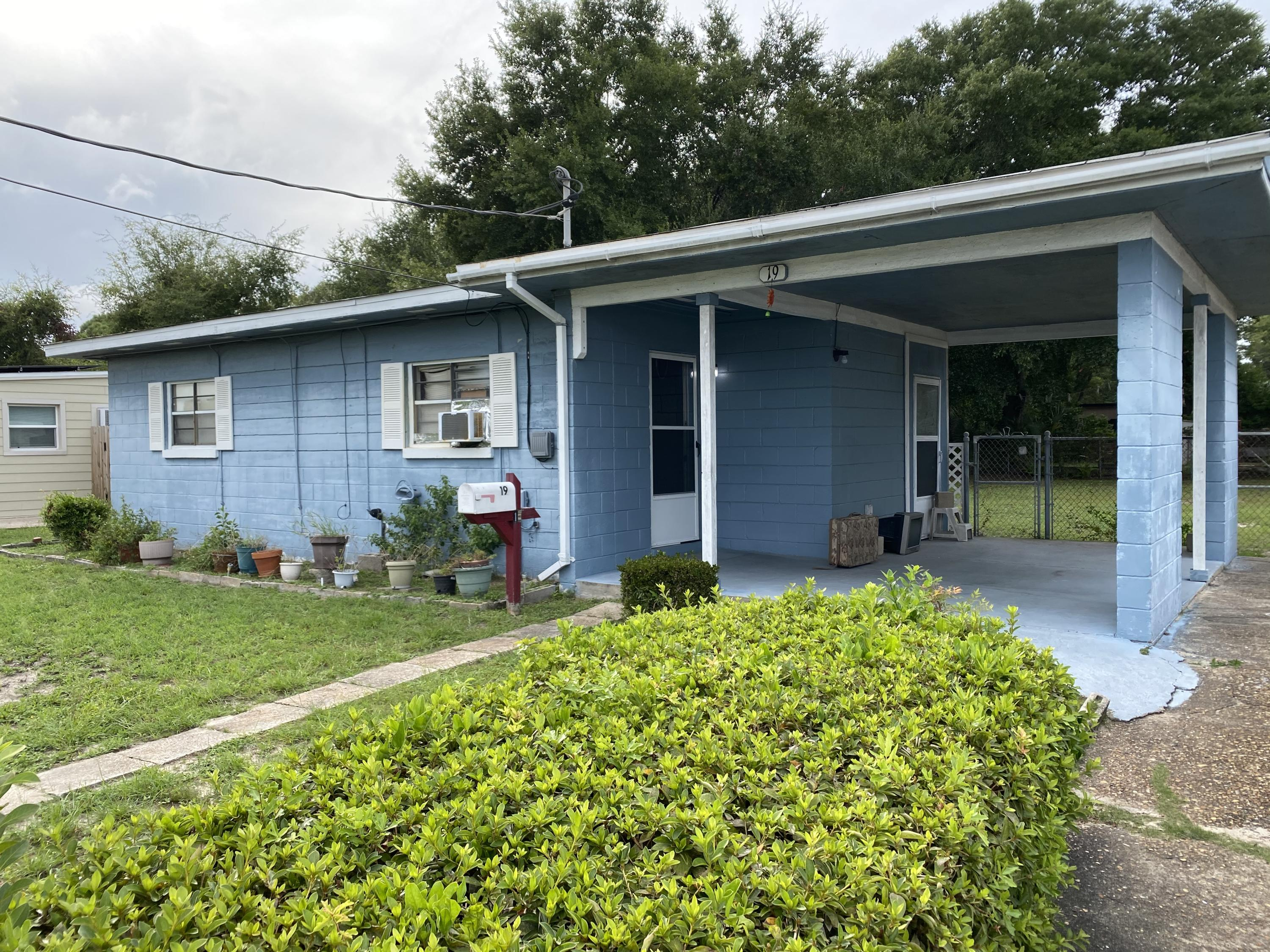 Photo of home for sale at 19 Jackson, Fort Walton Beach FL