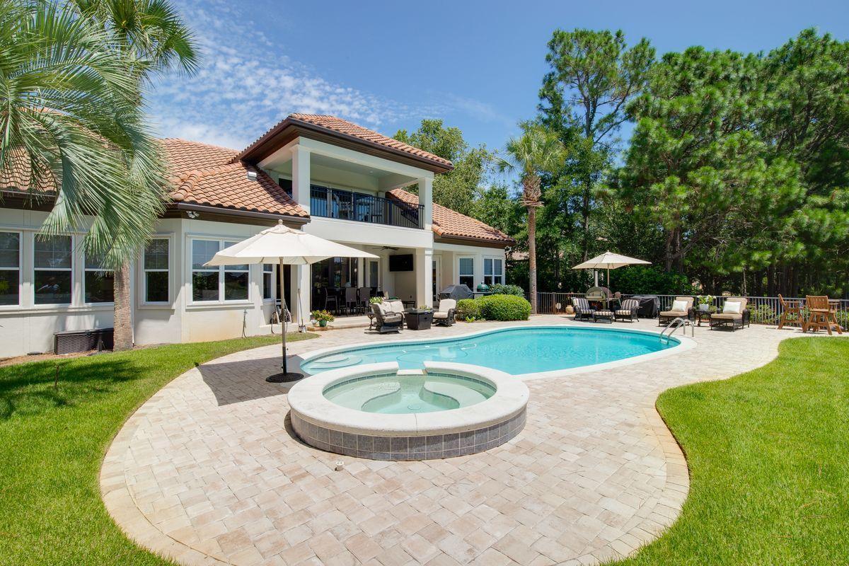 Photo of home for sale at 1513 Island Green, Miramar Beach FL