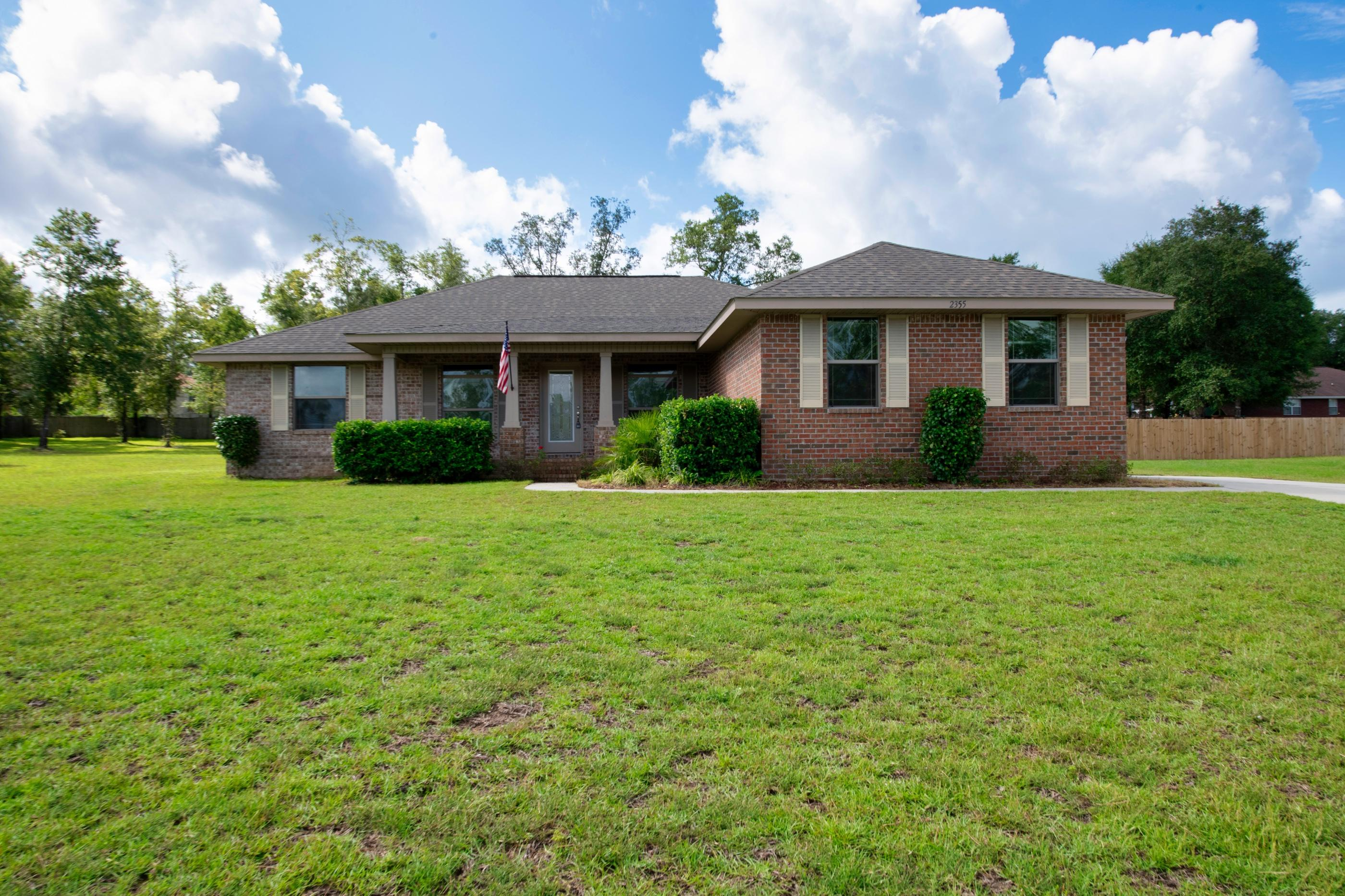 Photo of home for sale at 2355 Barberee, Crestview FL