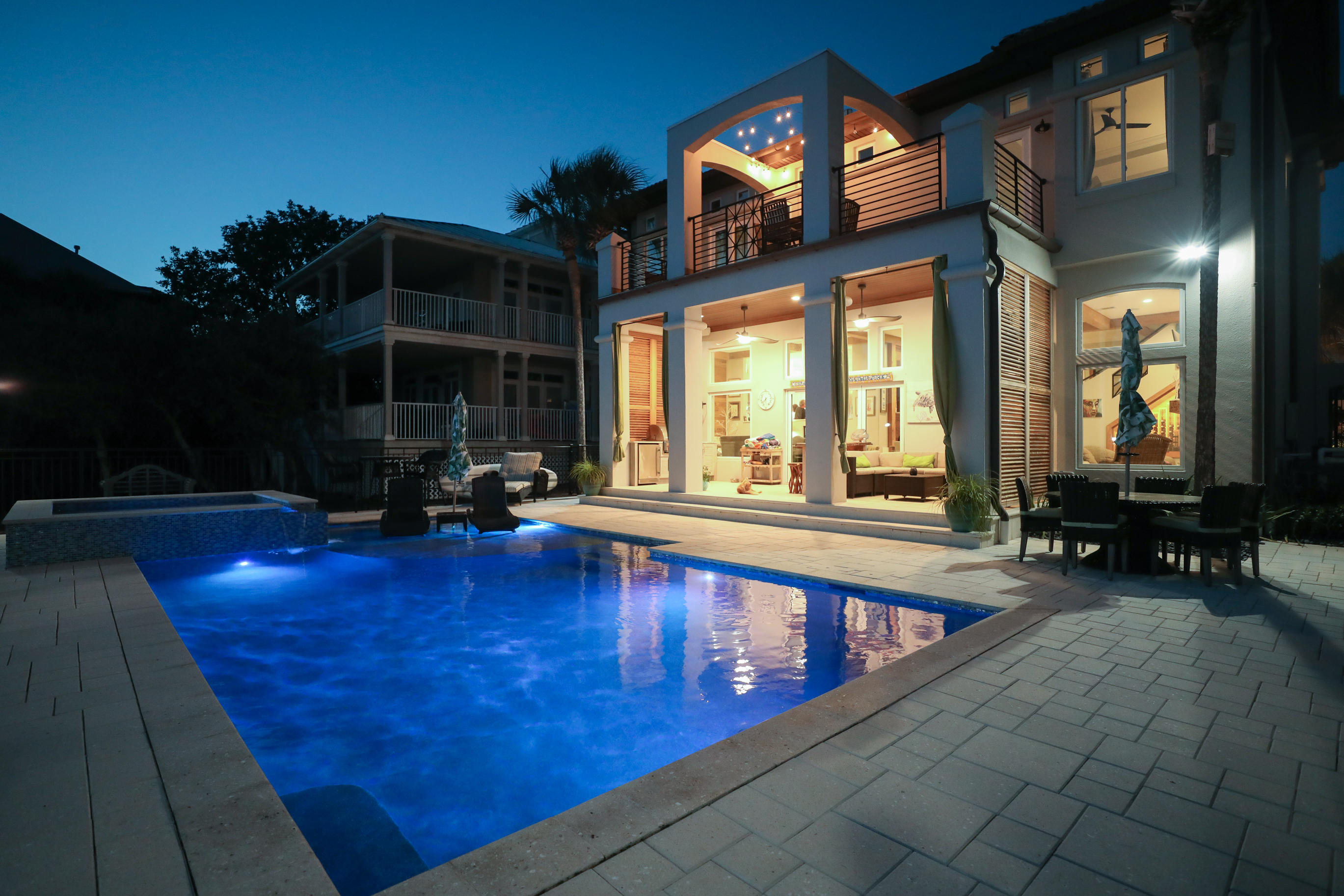 Photo of home for sale at 4640 Paradise, Destin FL