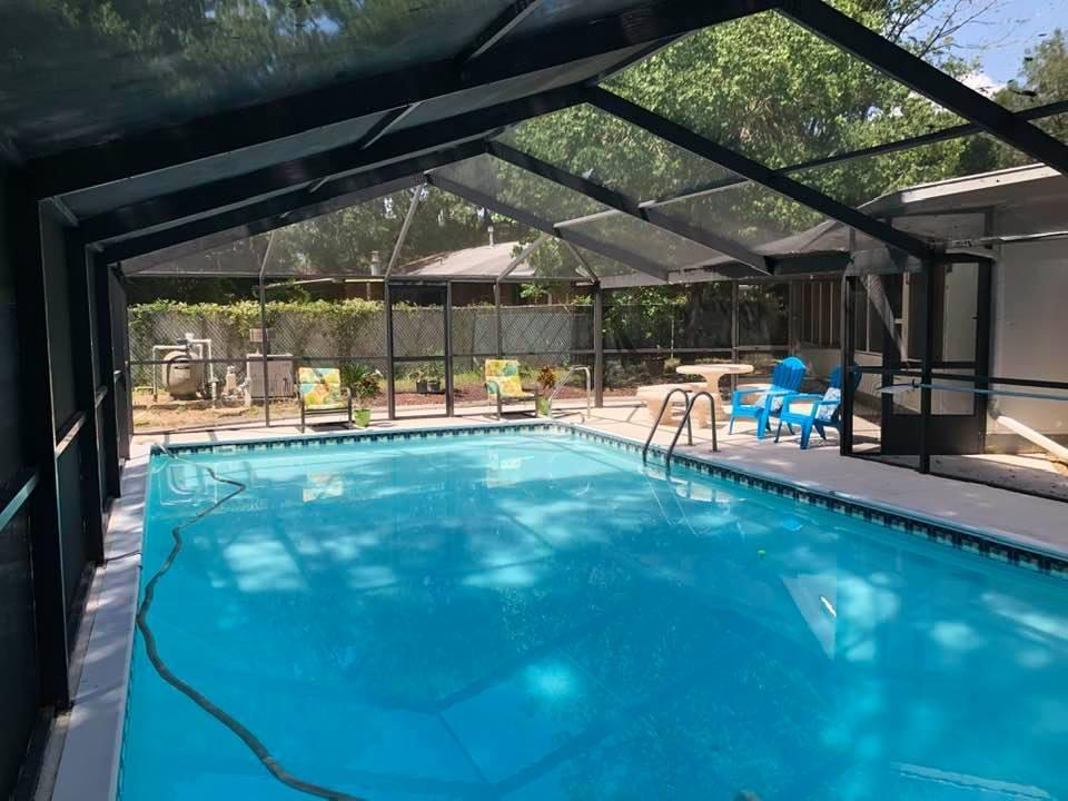 Photo of home for sale at 403 James, Valparaiso FL