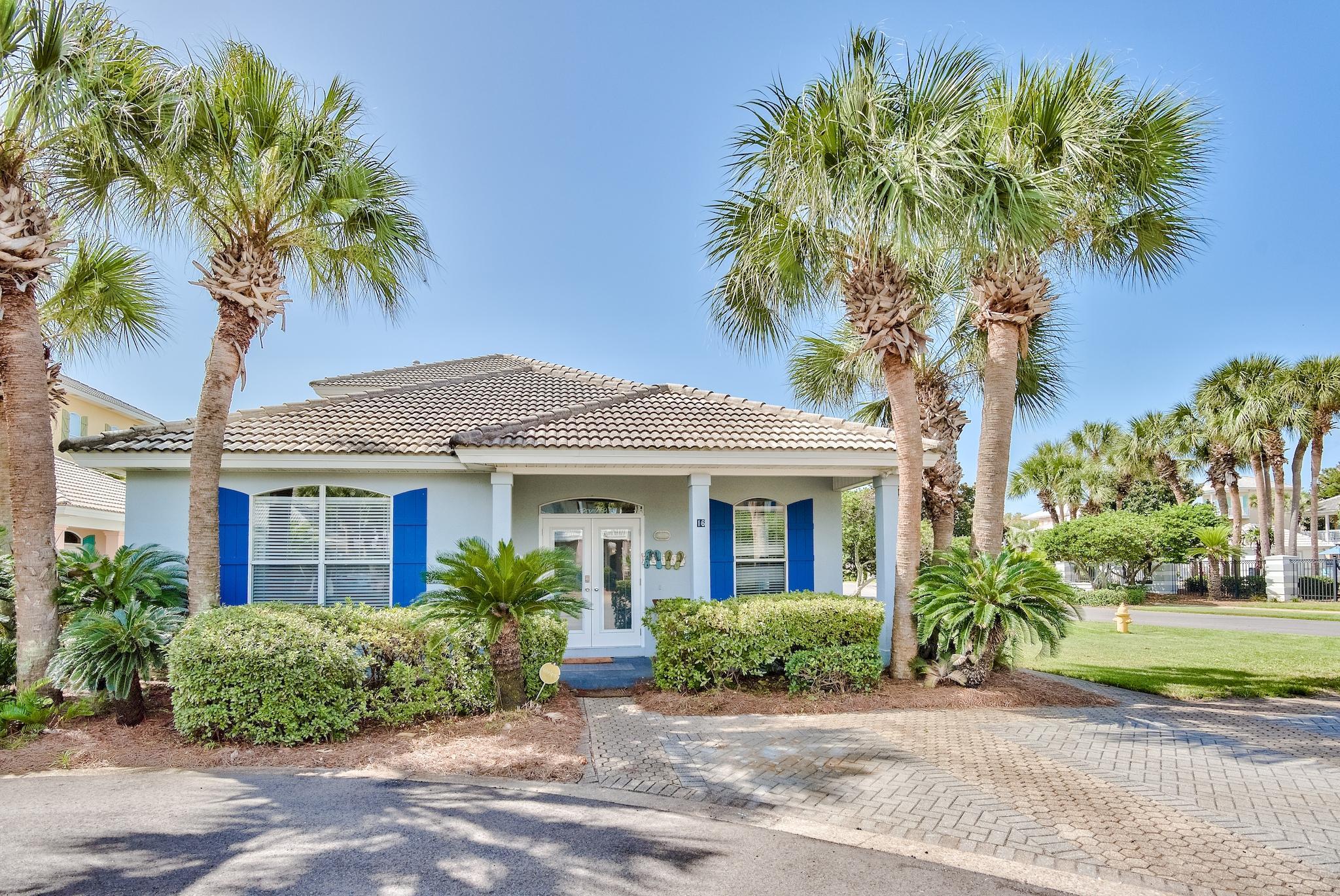 Photo of home for sale at 16 Ruby, Miramar Beach FL