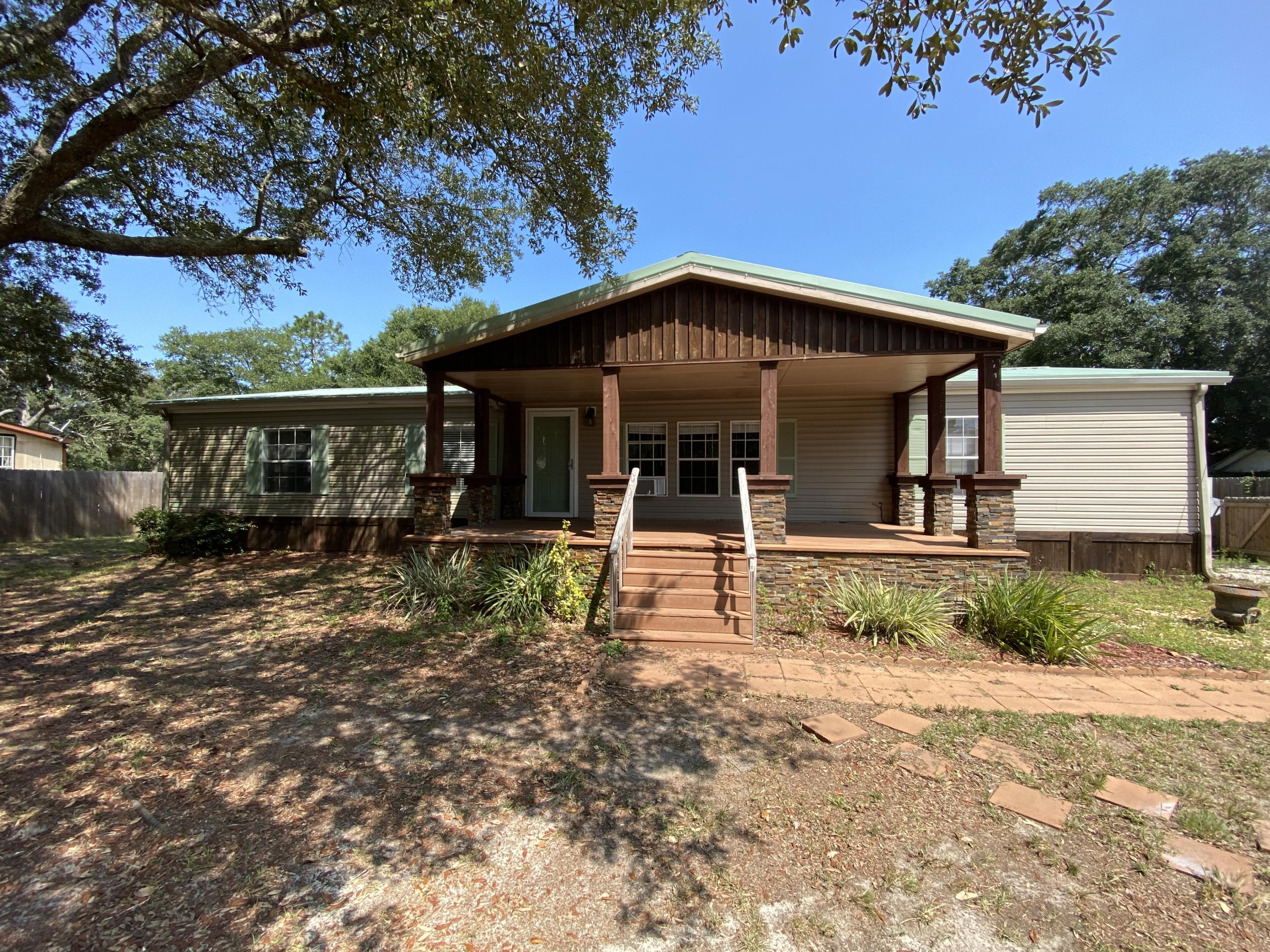 Photo of home for sale at 8258 Toledo, Navarre FL