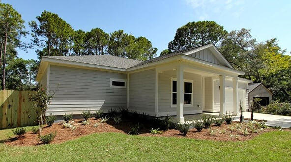 Photo of home for sale at 325 Somerset, Fort Walton Beach FL