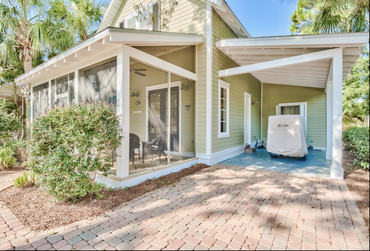 Photo of home for sale at 2469 Bungalo, Miramar Beach FL