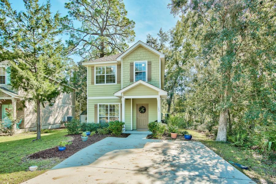 Photo of home for sale at 104 Rearden, Santa Rosa Beach FL