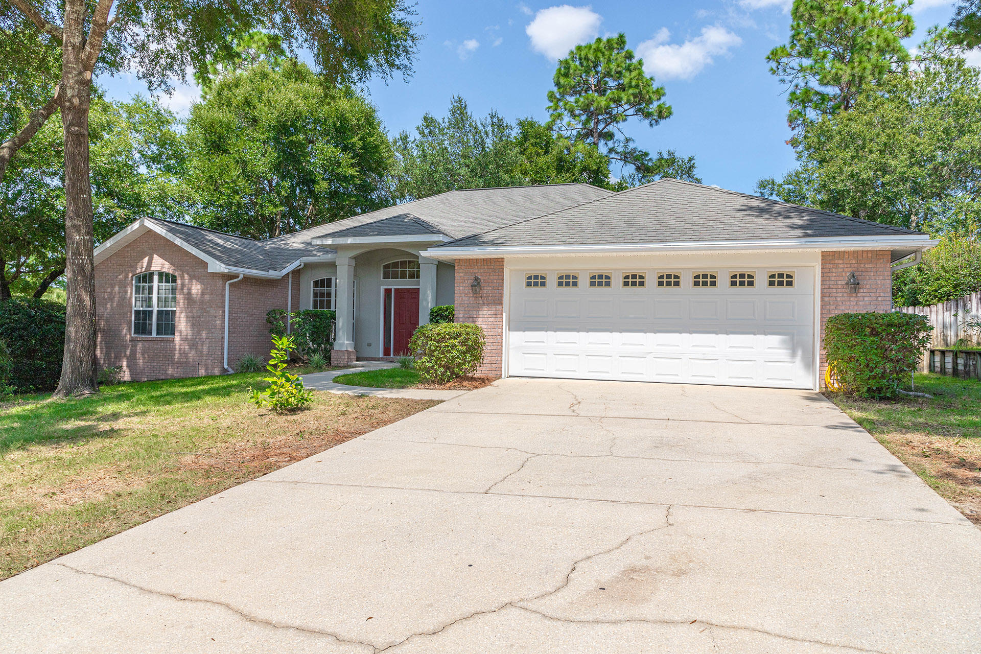 Photo of home for sale at 134 Mulry, Niceville FL