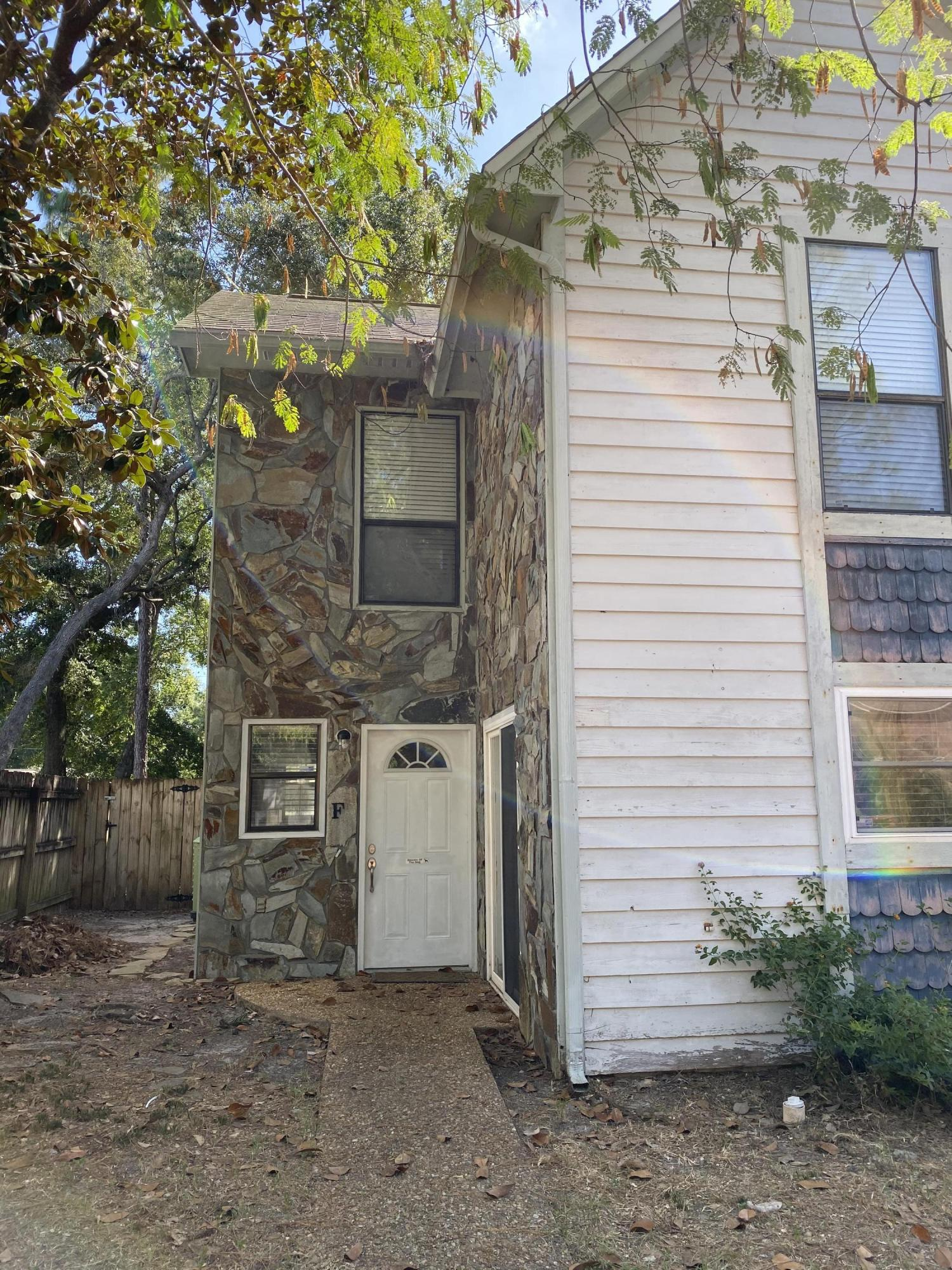 Photo of home for sale at 941 Ashley, Fort Walton Beach FL